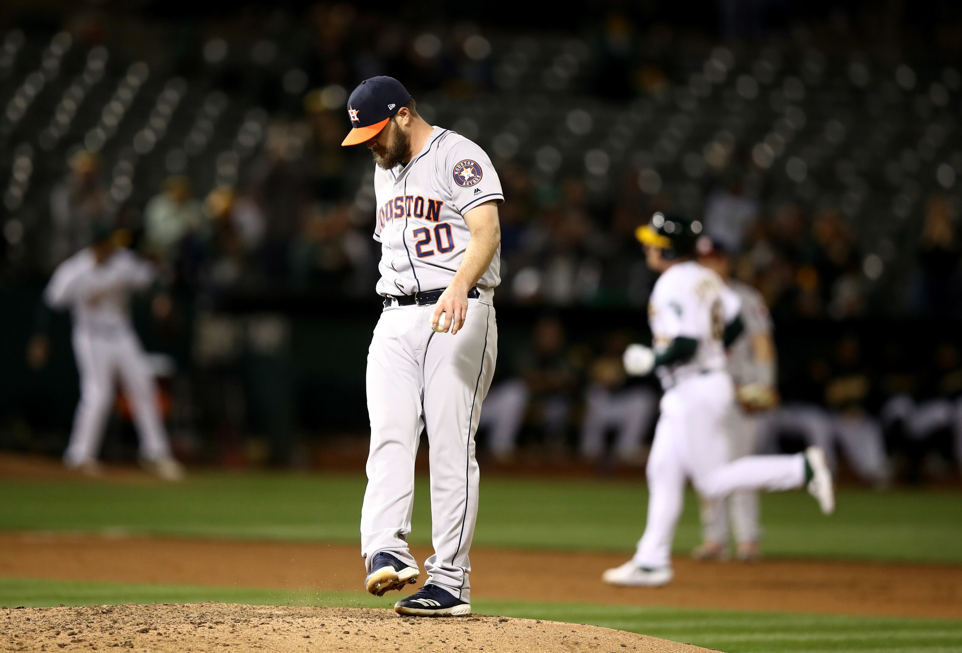 Astros: The Miley Chronicles Vol. 13, How the Turntables