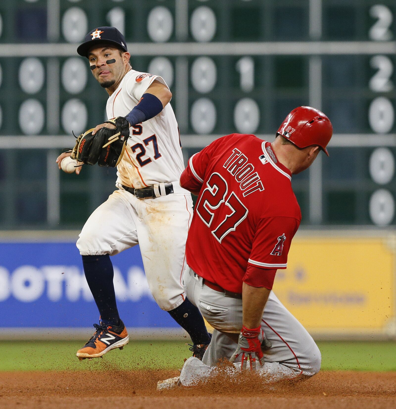 670024072-los-angeles-angels-of-anaheim-v-houston-astros.jpg