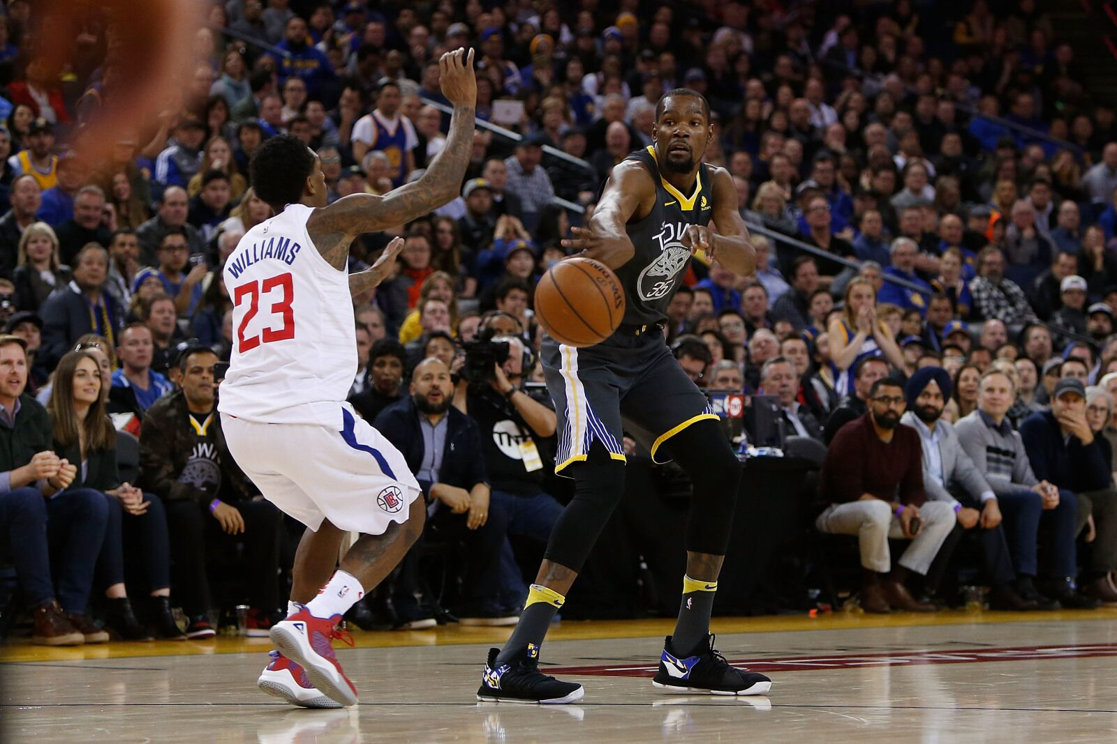LA Clippers' Players Need to Start Recruiting Free Agents