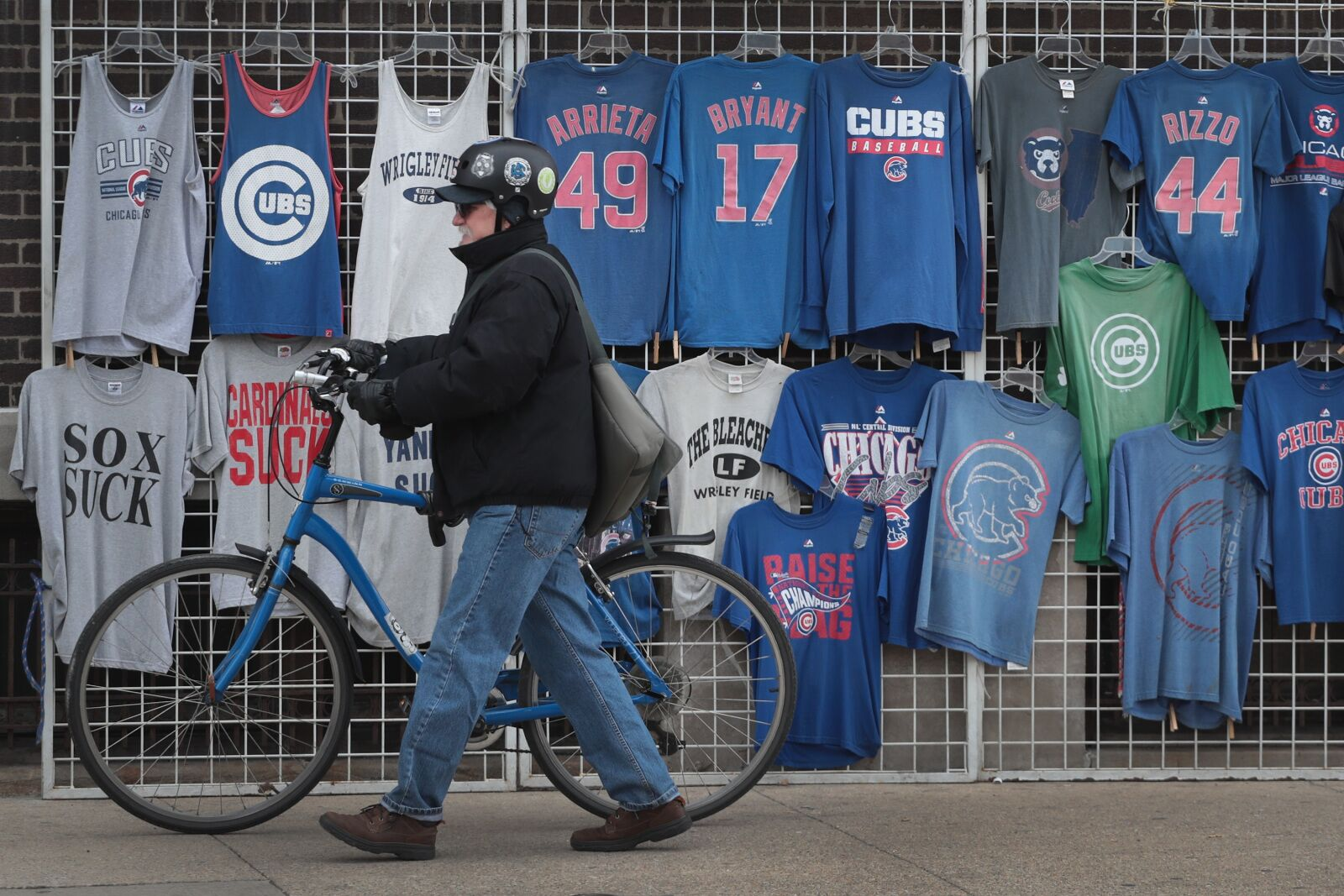 944430096-chicago-cubs-fans-come-out-for-snow-delayed-home-opener.jpg