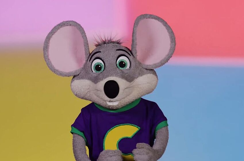 chuck e cheese dissolves animatronic band reduces nightmares forever. Black Bedroom Furniture Sets. Home Design Ideas