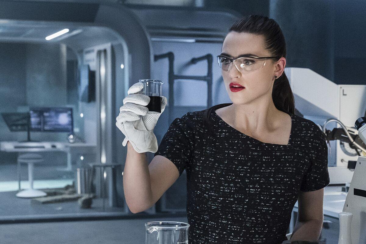 Supergirl season 3 episode 21 review: Not Kansas