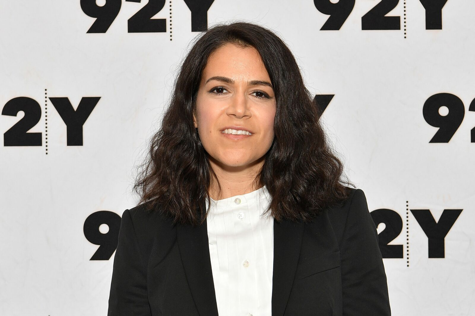 Abbi Jacobson and D'Arcy Carden to star in Amazon's A League of Their Own remake