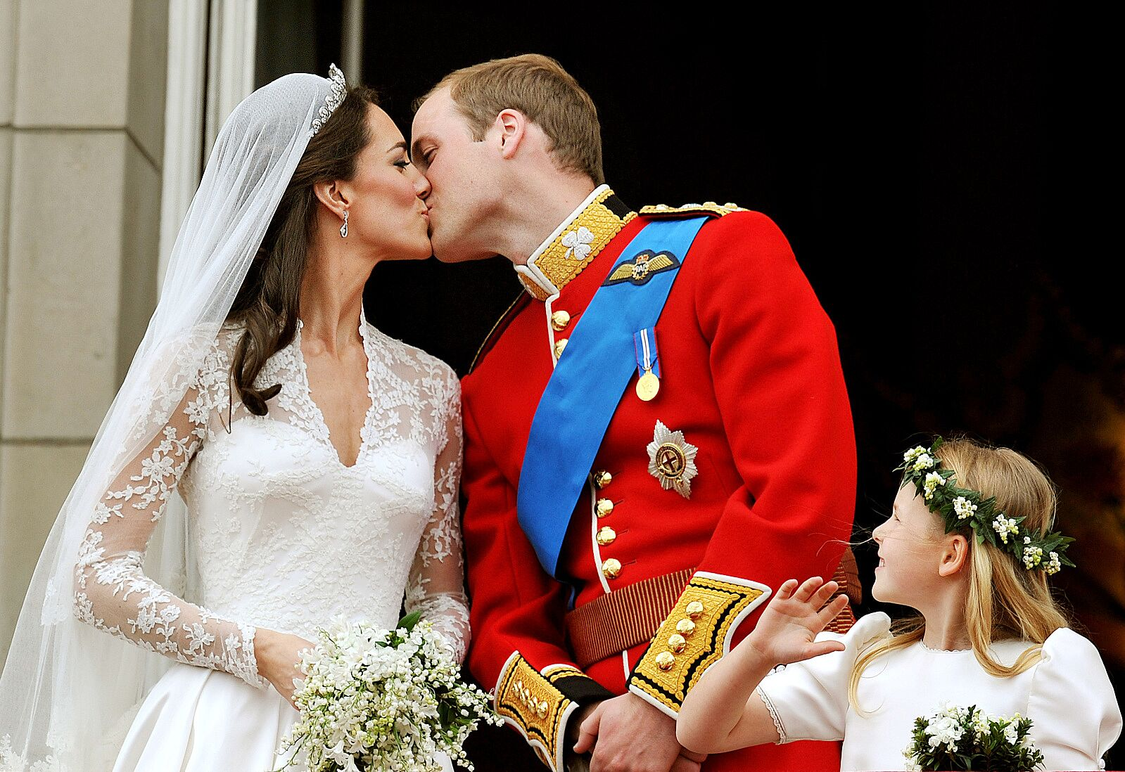 Royal Wedding Kiss.Royal Wedding Will Prince Harry And Meghan Markle Kiss For