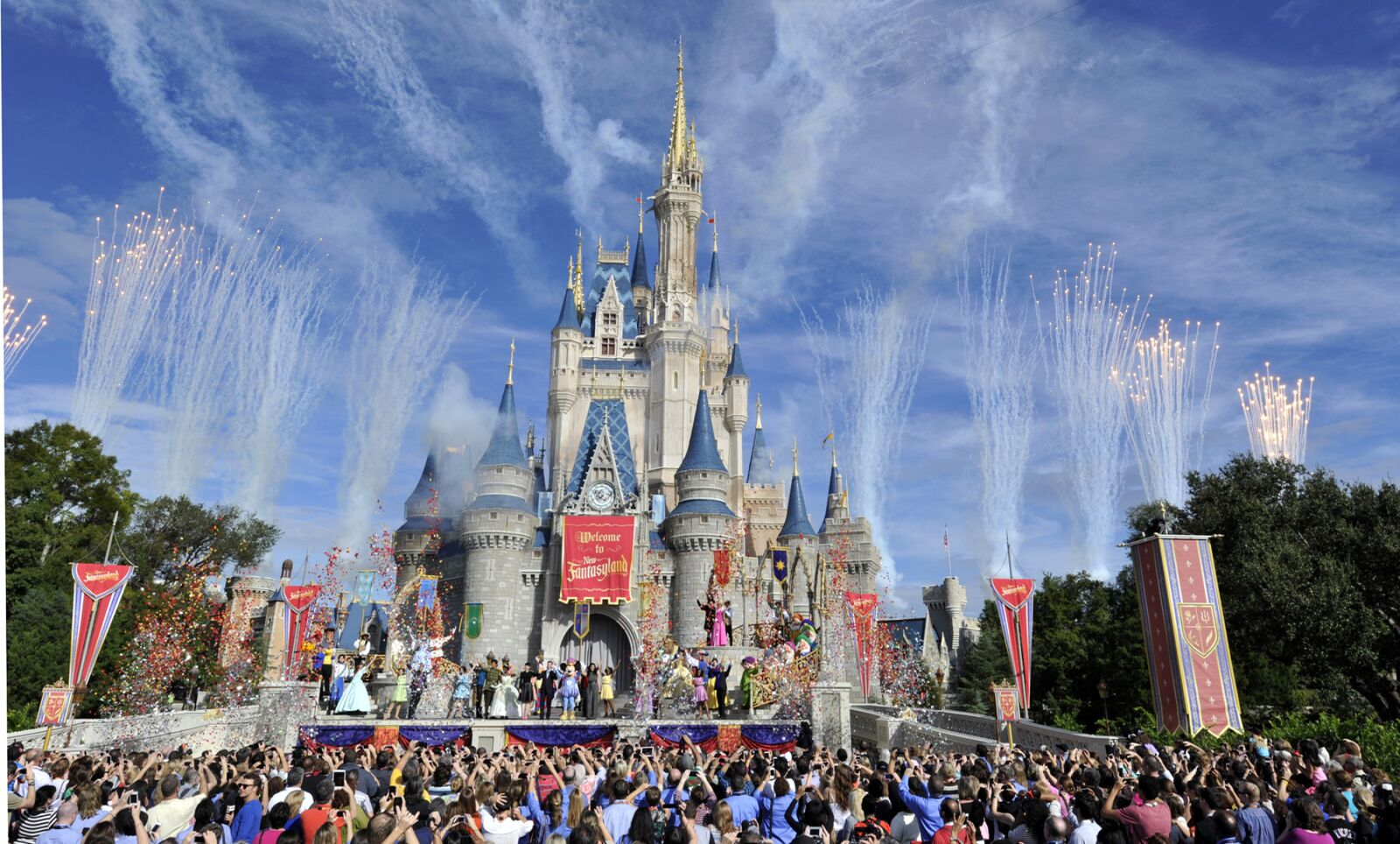 New Walt Disney World holiday celebrations are even more magical than before