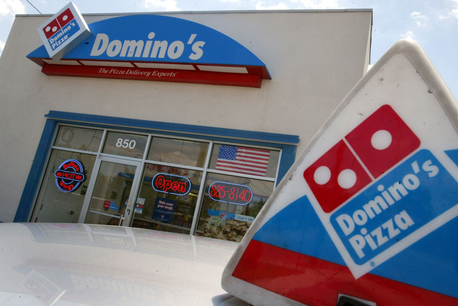 A Domino's employee goes viral for his Iron Throne of pizza boxes