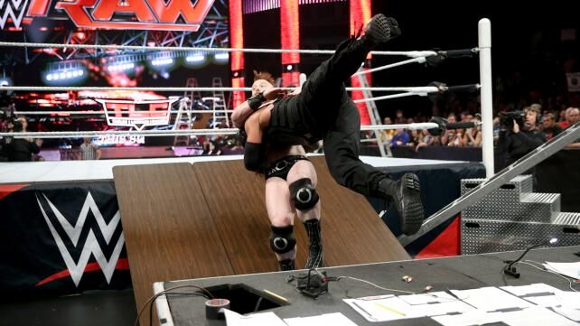 roman reigns needs to stop using the spear as his finishing move