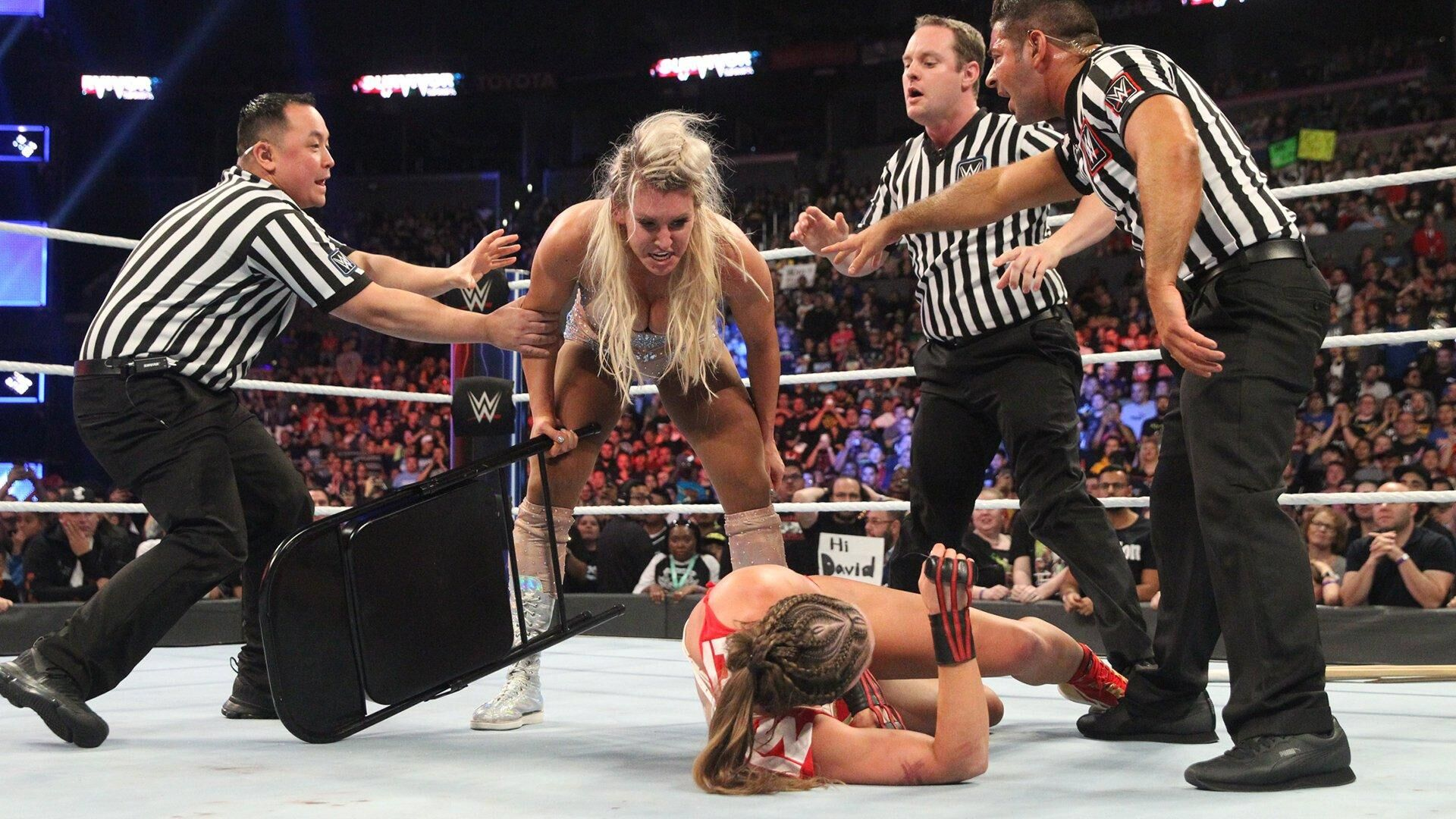 WWE SmackDown Live Predictions: SmackDown Gets The (Anti) Hero They Need