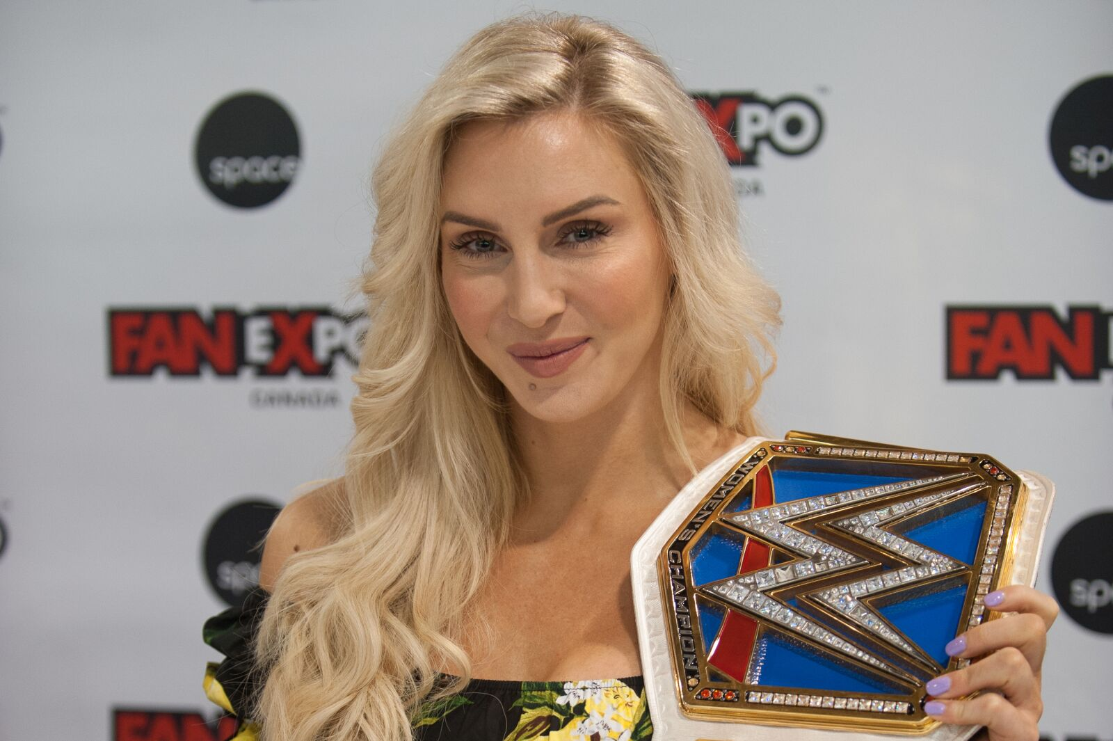 WWE fans react to Charlotte Flair becoming a 10-time champion