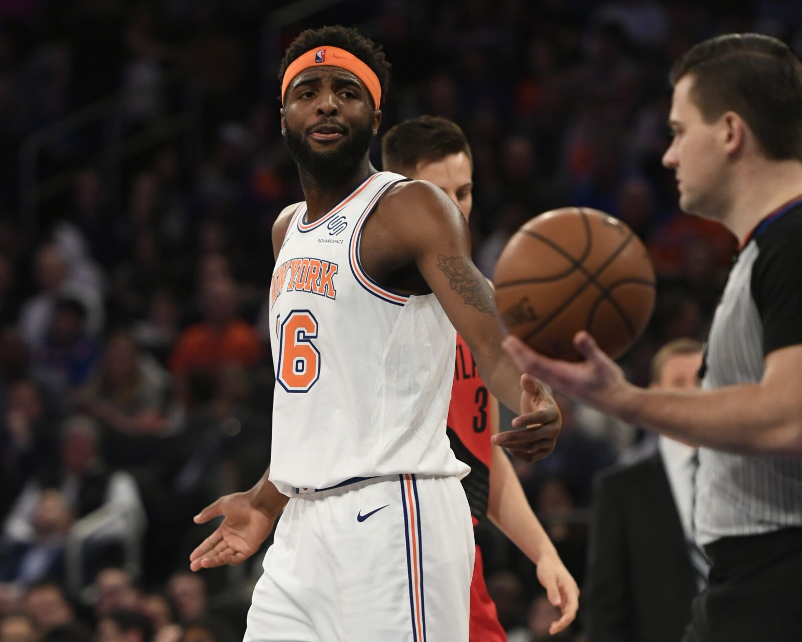 New York Knicks: Mitchell Robinson suffers ankle injury against Hornets
