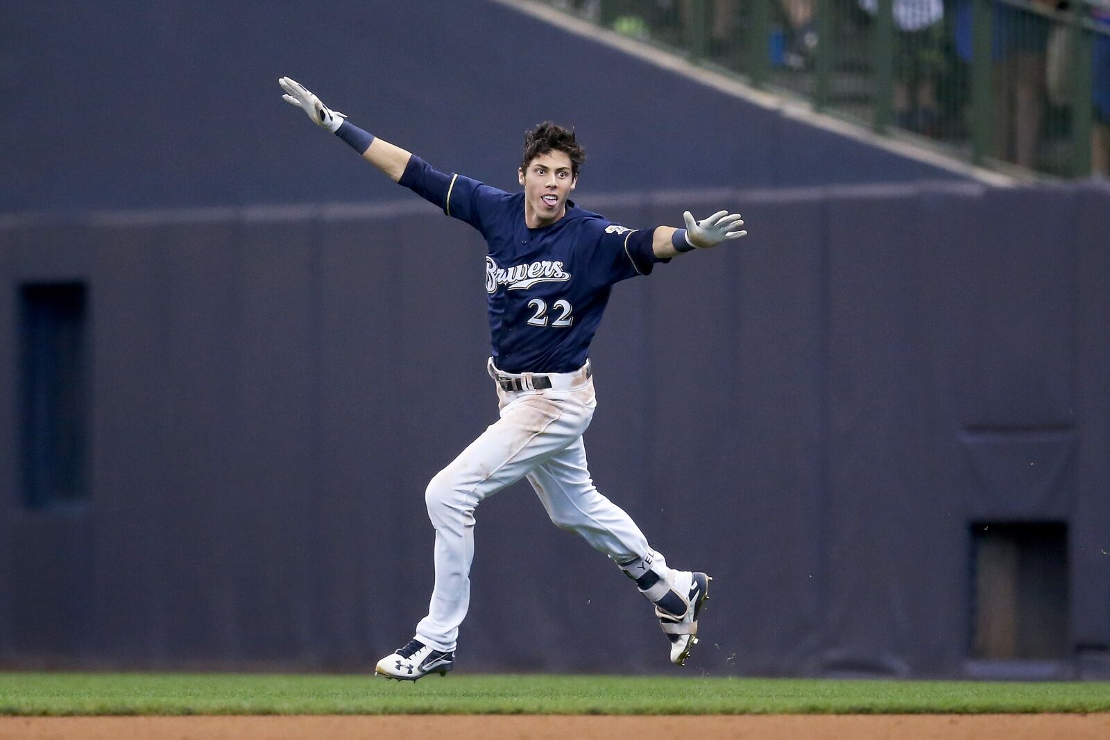 588da5249f13a3 Milwaukee Brewers: Predicting the 25-man playoff roster