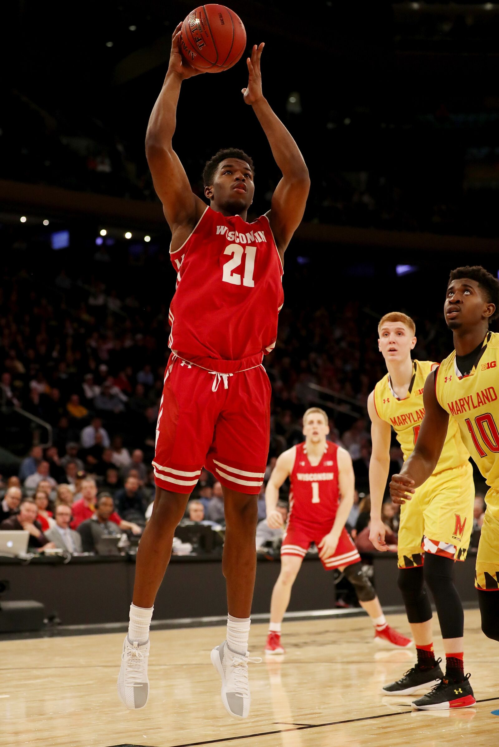Wisconsin Badgers: Khalil Iverson must continue to play well