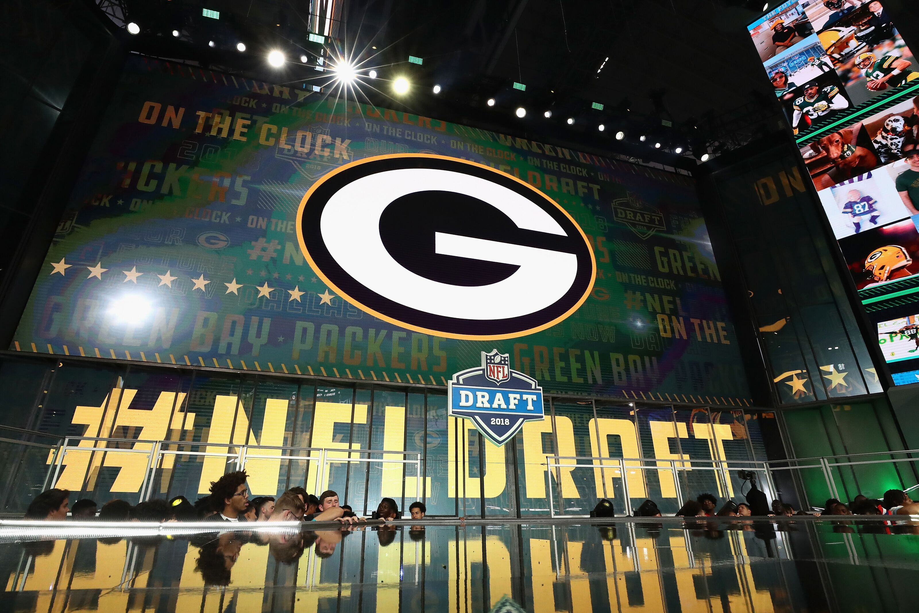 Green Bay Packers: Trading out of Round 1 remains a Possibility