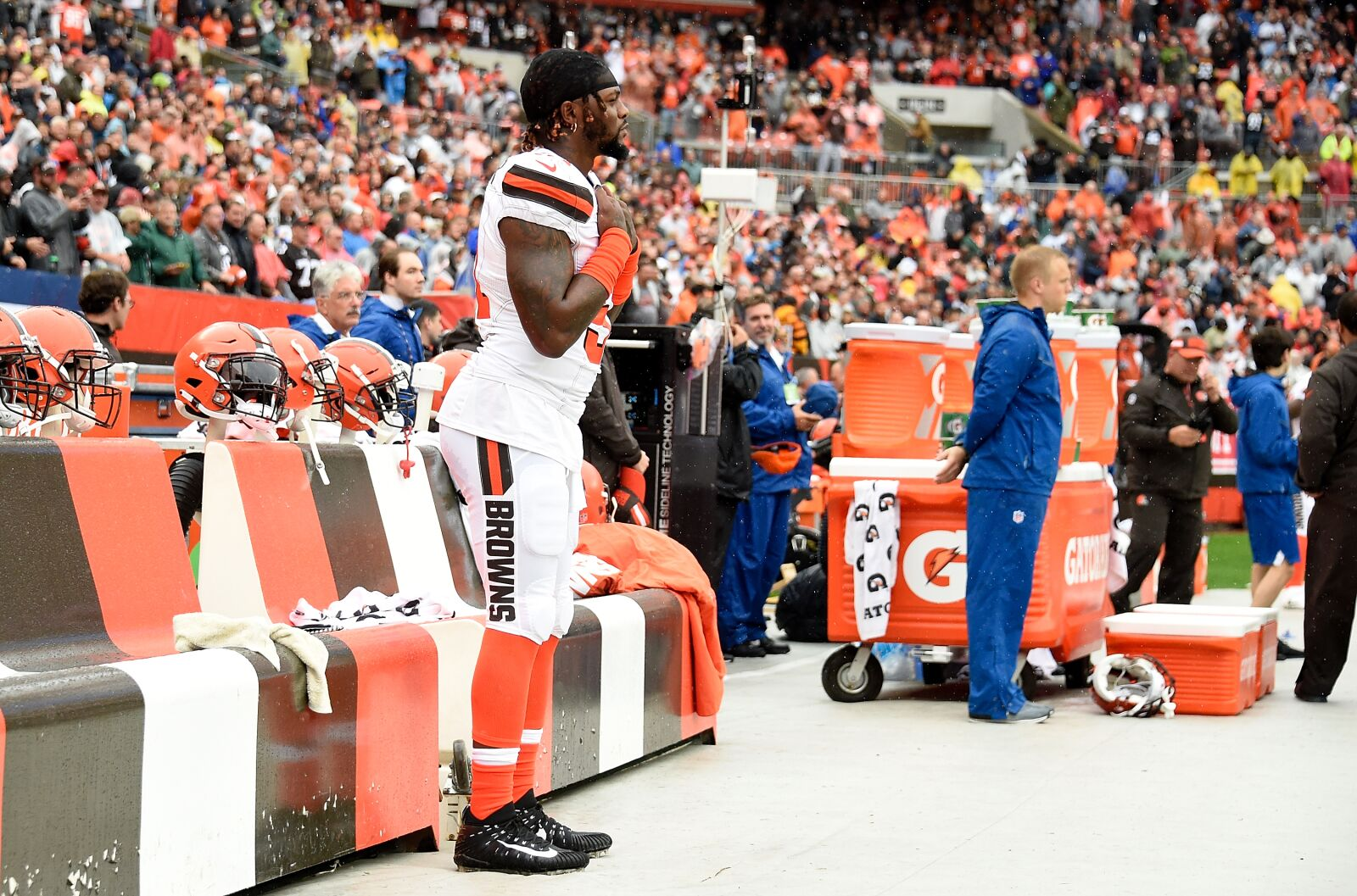 Cleveland Browns: Jamie Collins is a duty to defend - Dawg Pound Daily