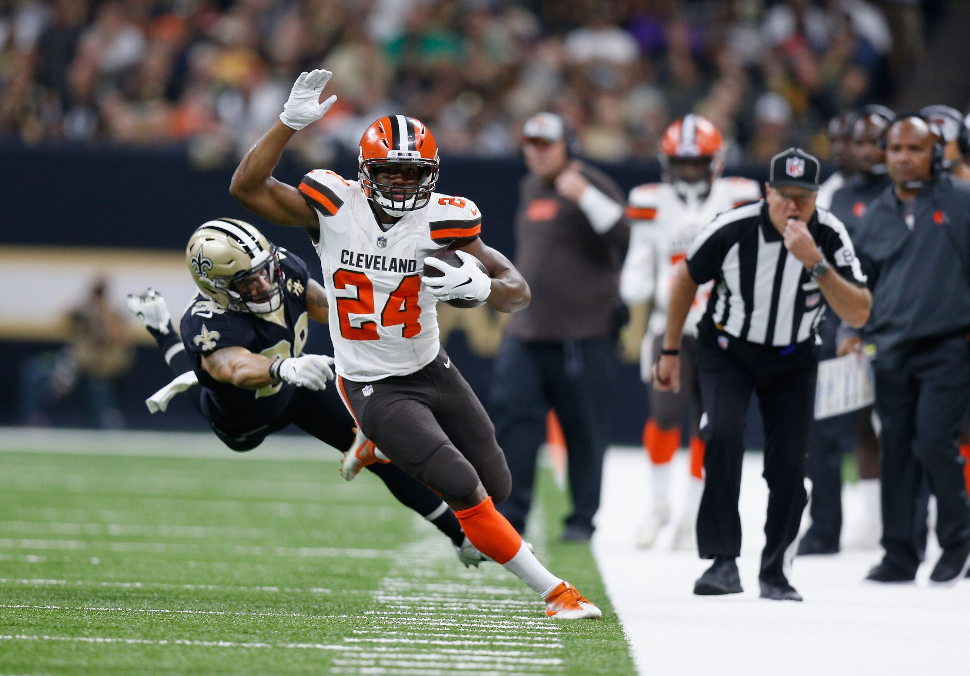 Cleveland Browns: Does it take a CSI crew to watch replays?