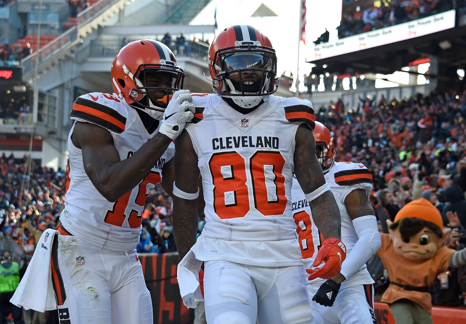 6c609f6aa Cleveland Browns  Jarvis Landry s top 3 catches of the season