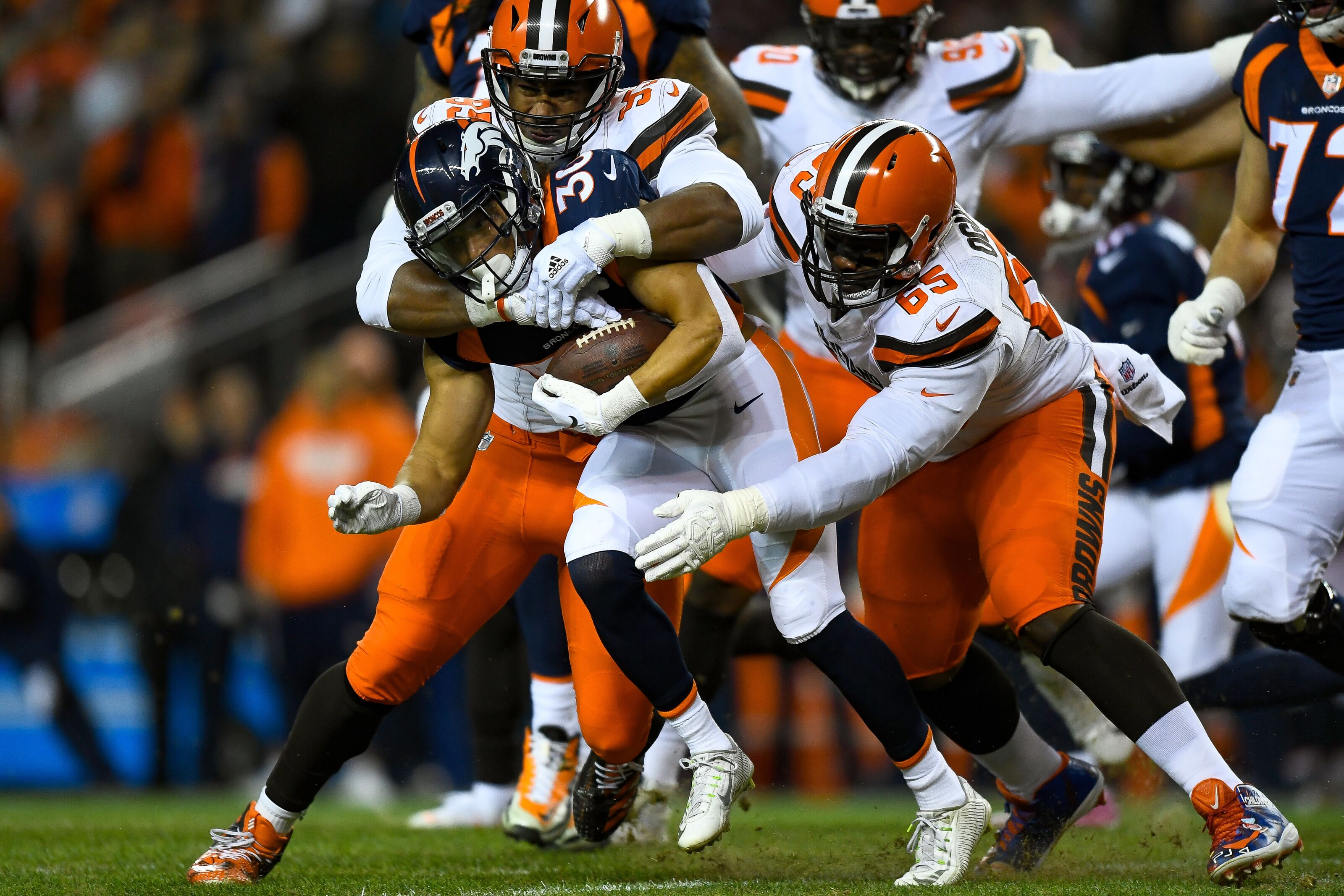 9237e666 Should the Cleveland Browns pursue another DT after missing on McCoy?