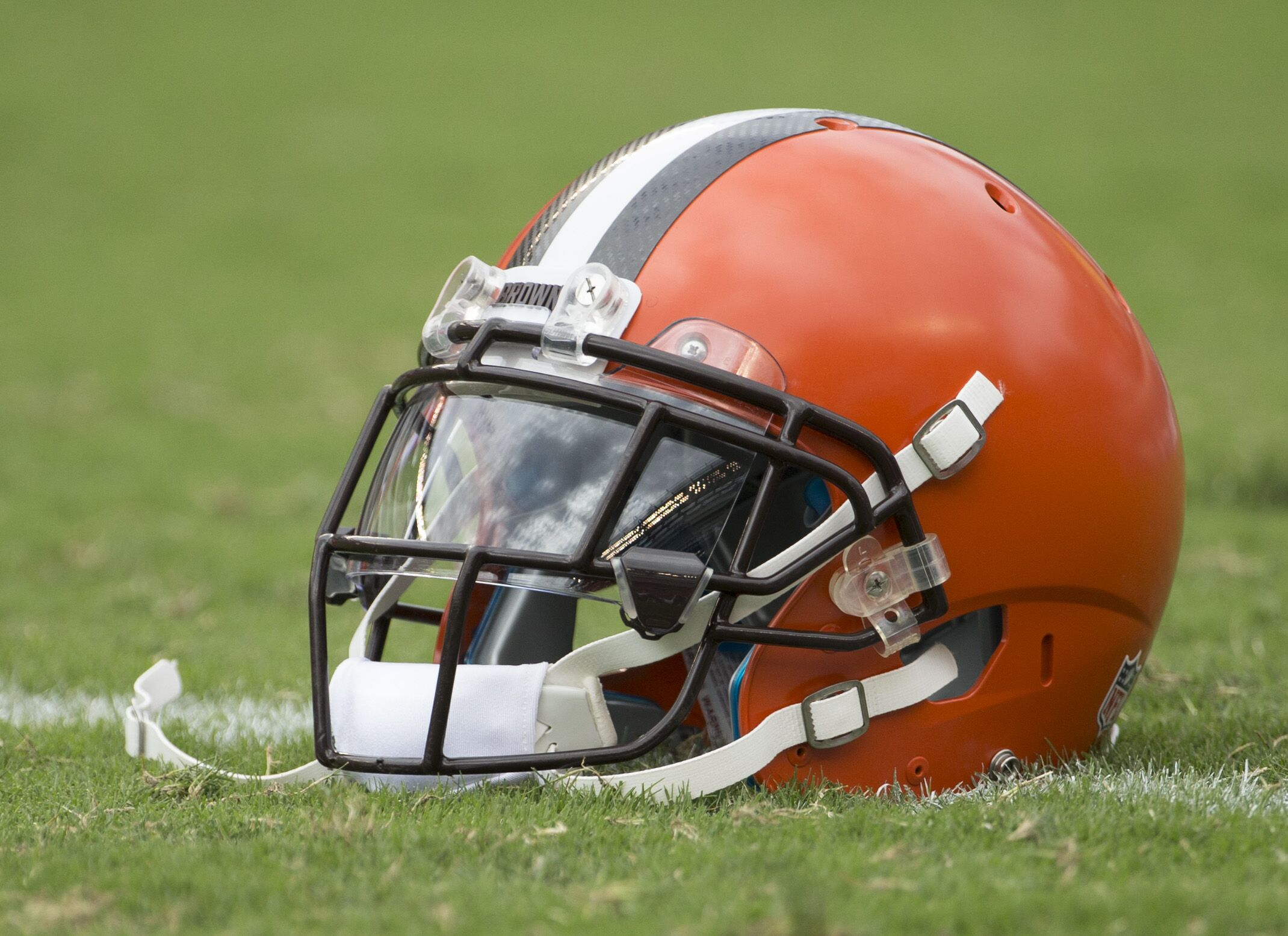 Cleveland Browns: Graphic designer says logo is 'boring'