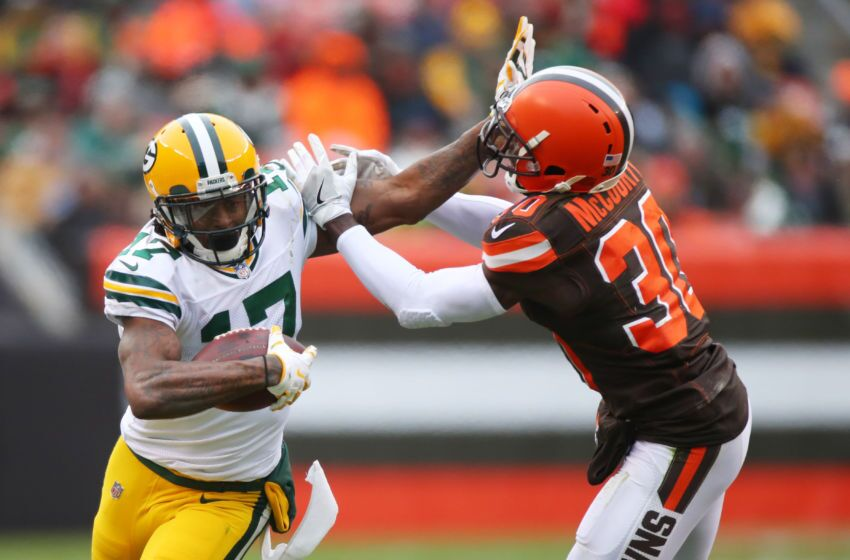 889664162-green-bay-packers-v-cleveland-browns.jpg-850x560