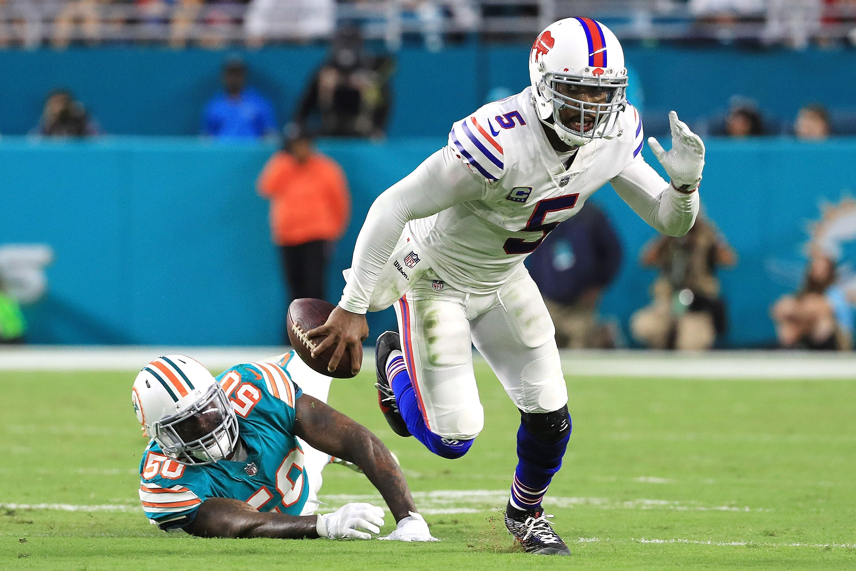 900128120-buffalo-bills-v-miami-dolphins.jpg