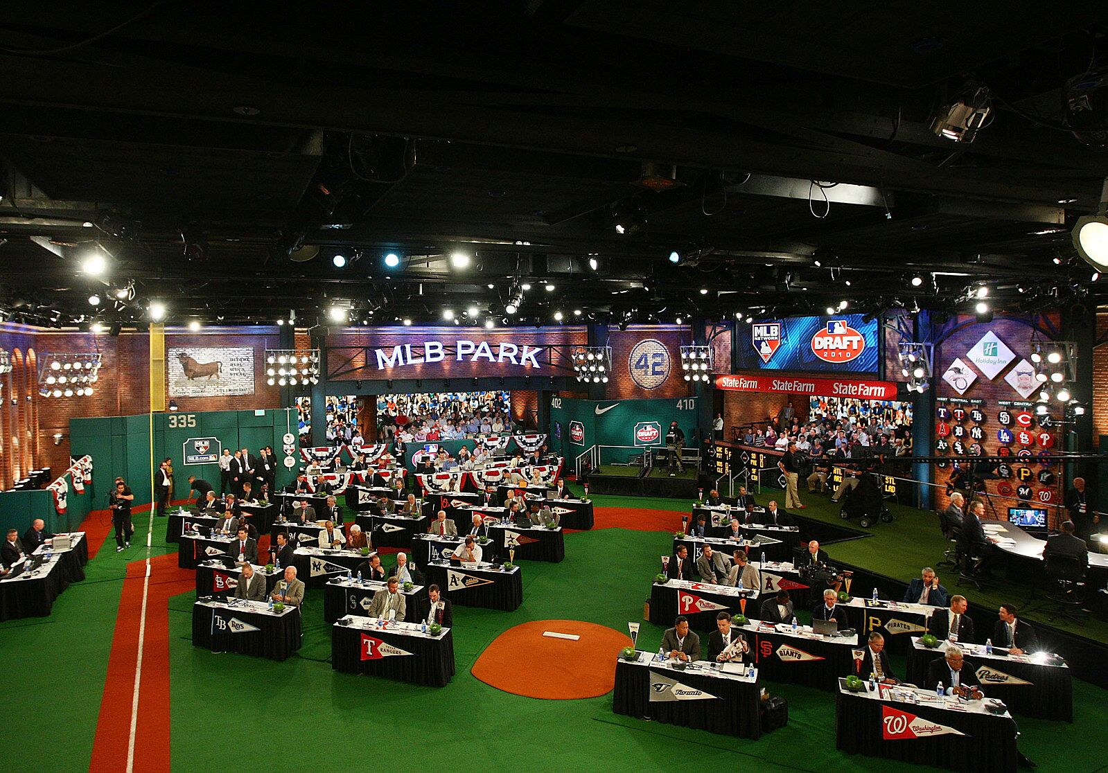 Chicago Cubs: 3 draft picks who could see Wrigley in 2020