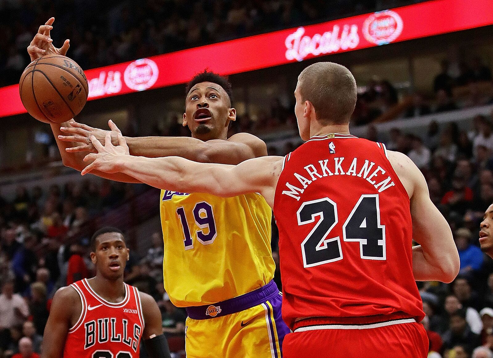 cade93f0c033 Chicago Bulls  Three reasons to trade for LeBron James - Page 2