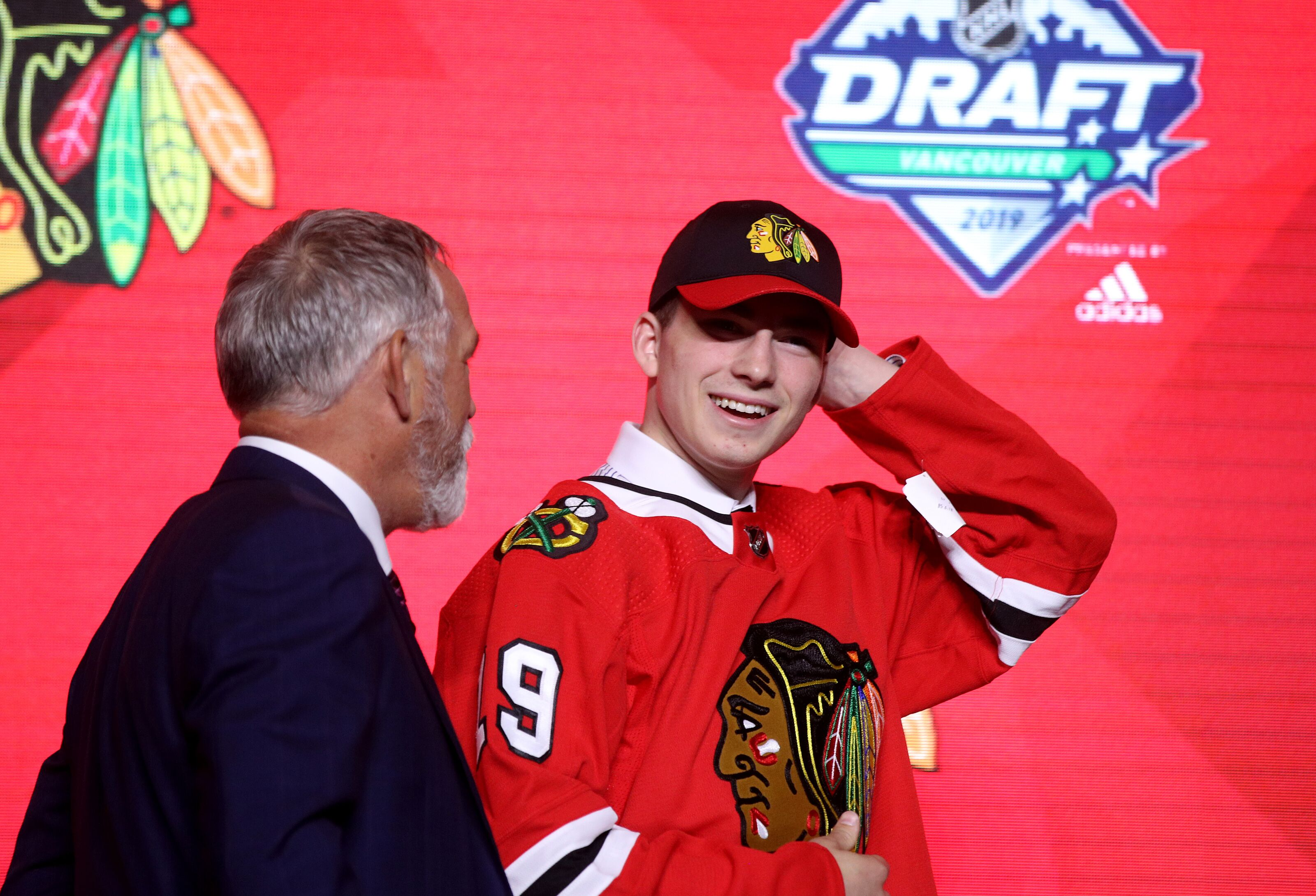 Chicago Blackhawks: Lose in Kirby Dach's NHL debut