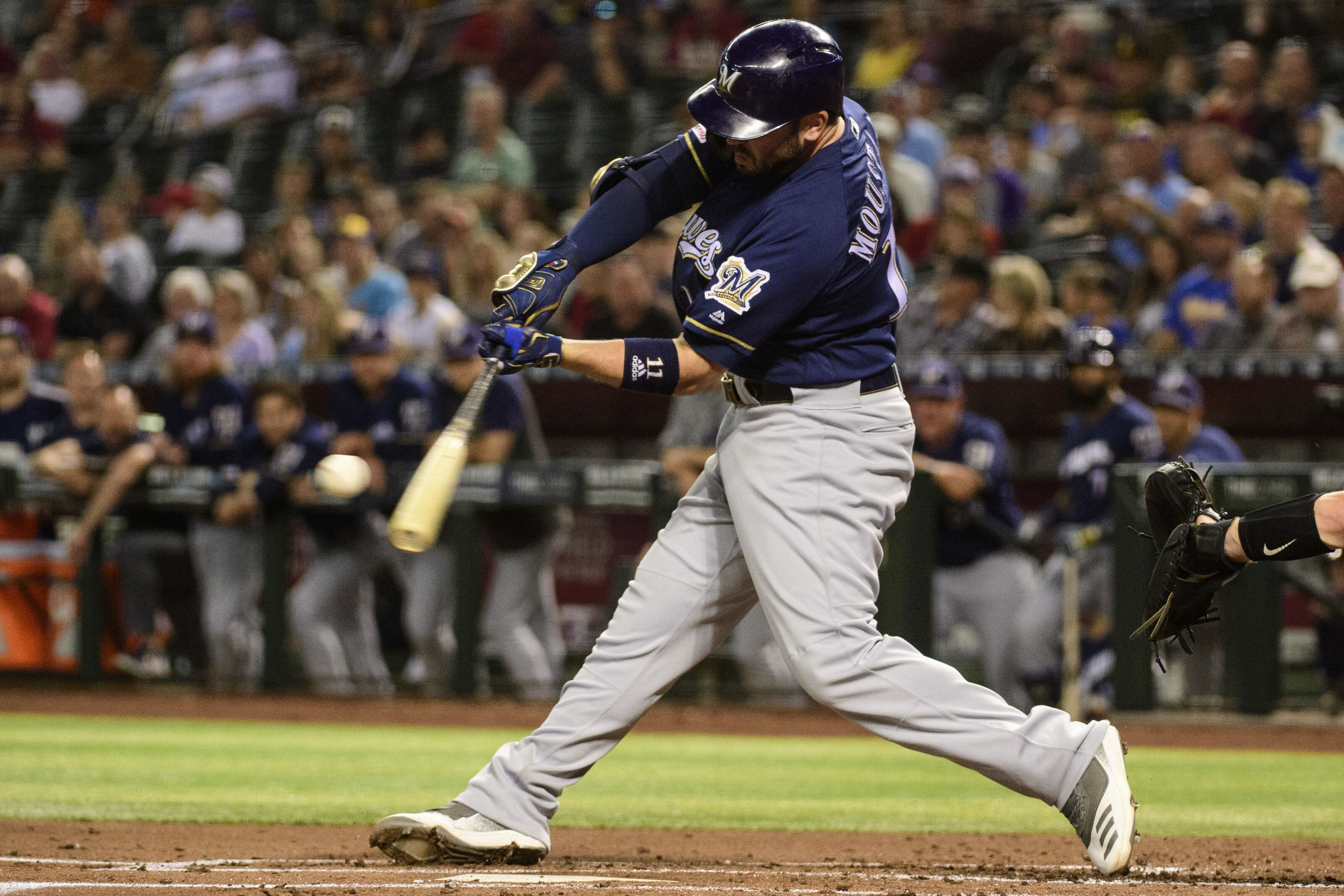 Cubs: How the Mike Moustakas signing impacts the team