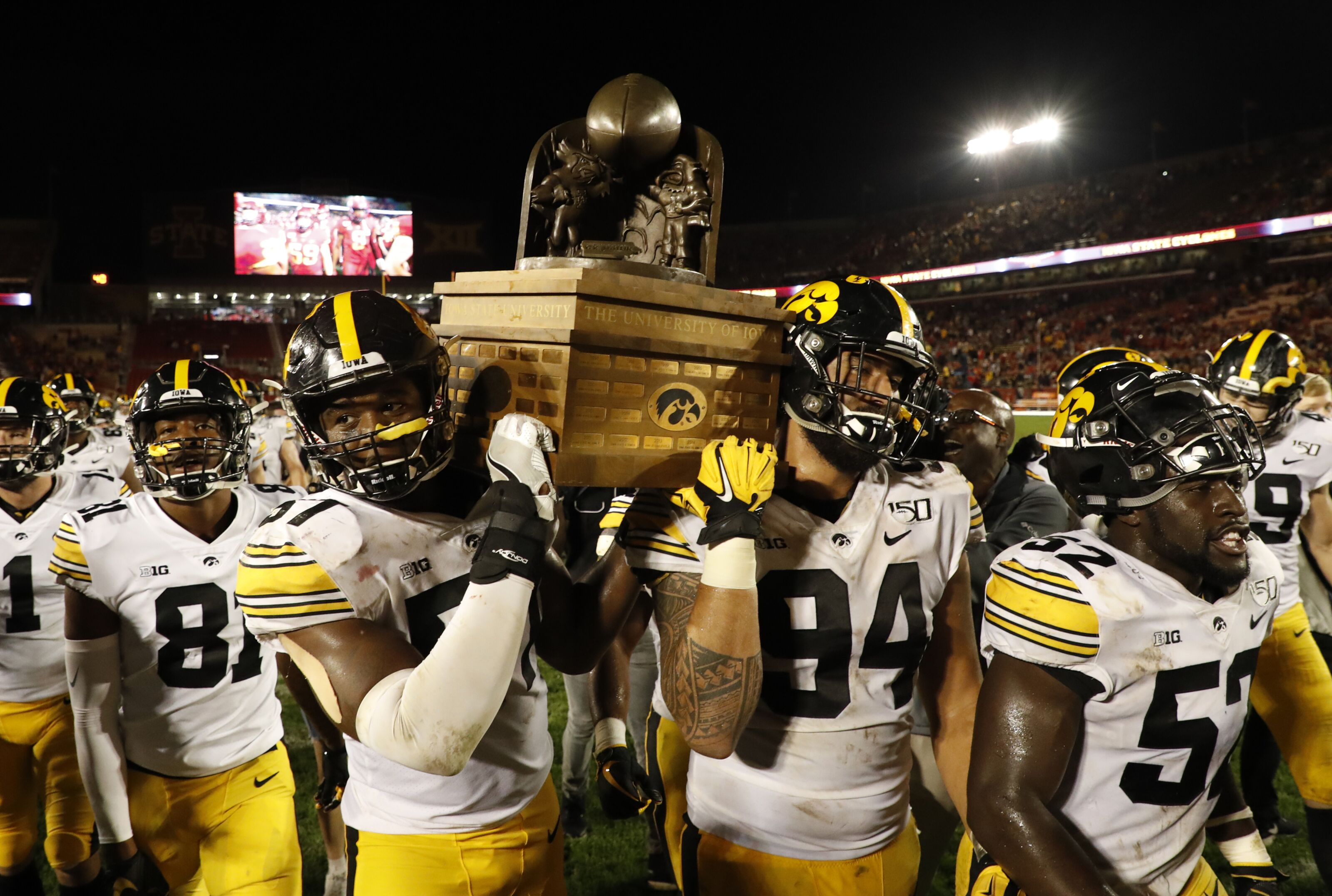reputable site b54b9 d4136 Iowa football: Predicting Hawk's schedule for remaining nine ...