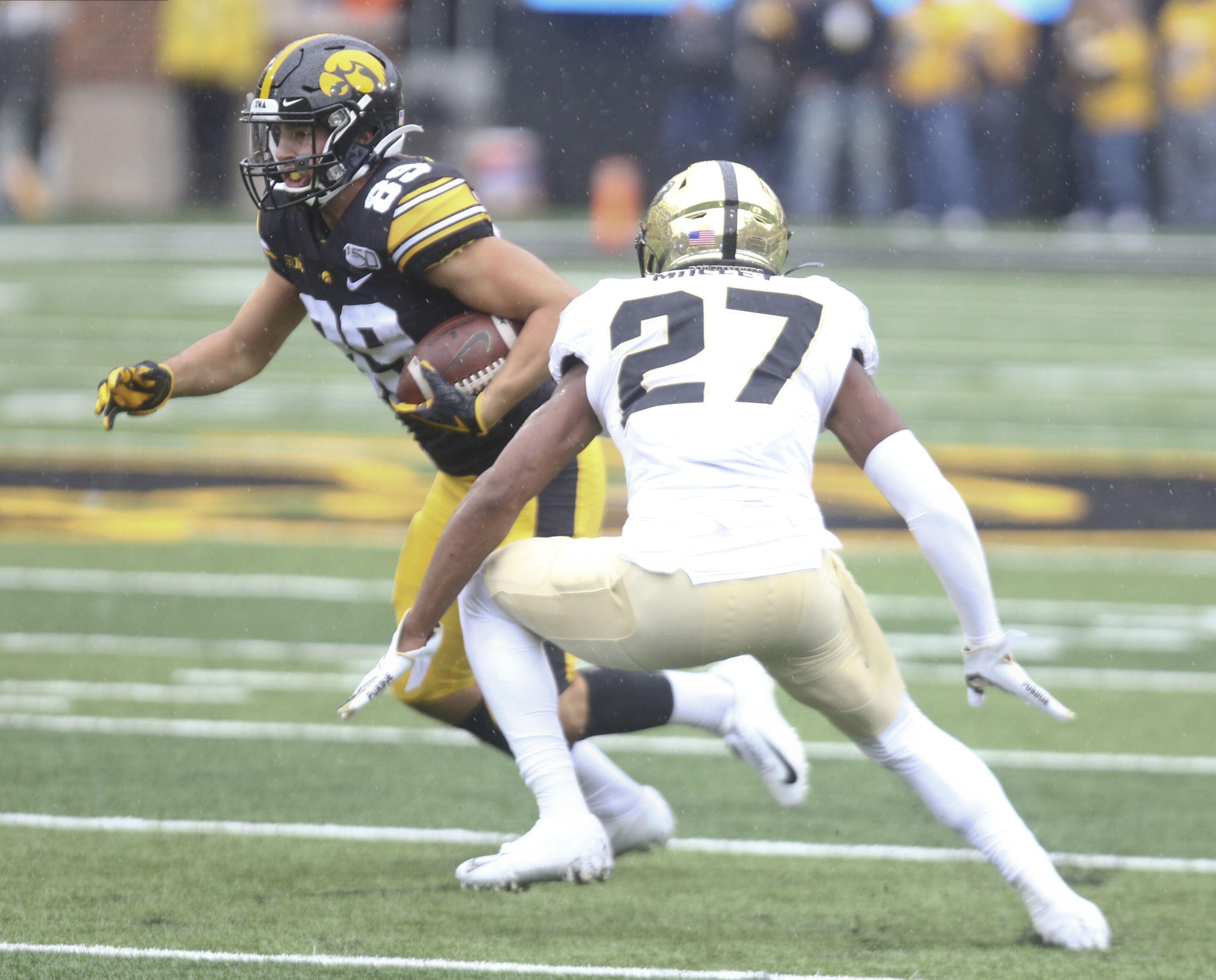 Iowa football: Injuries and ineffectiveness shake up latest depth chart