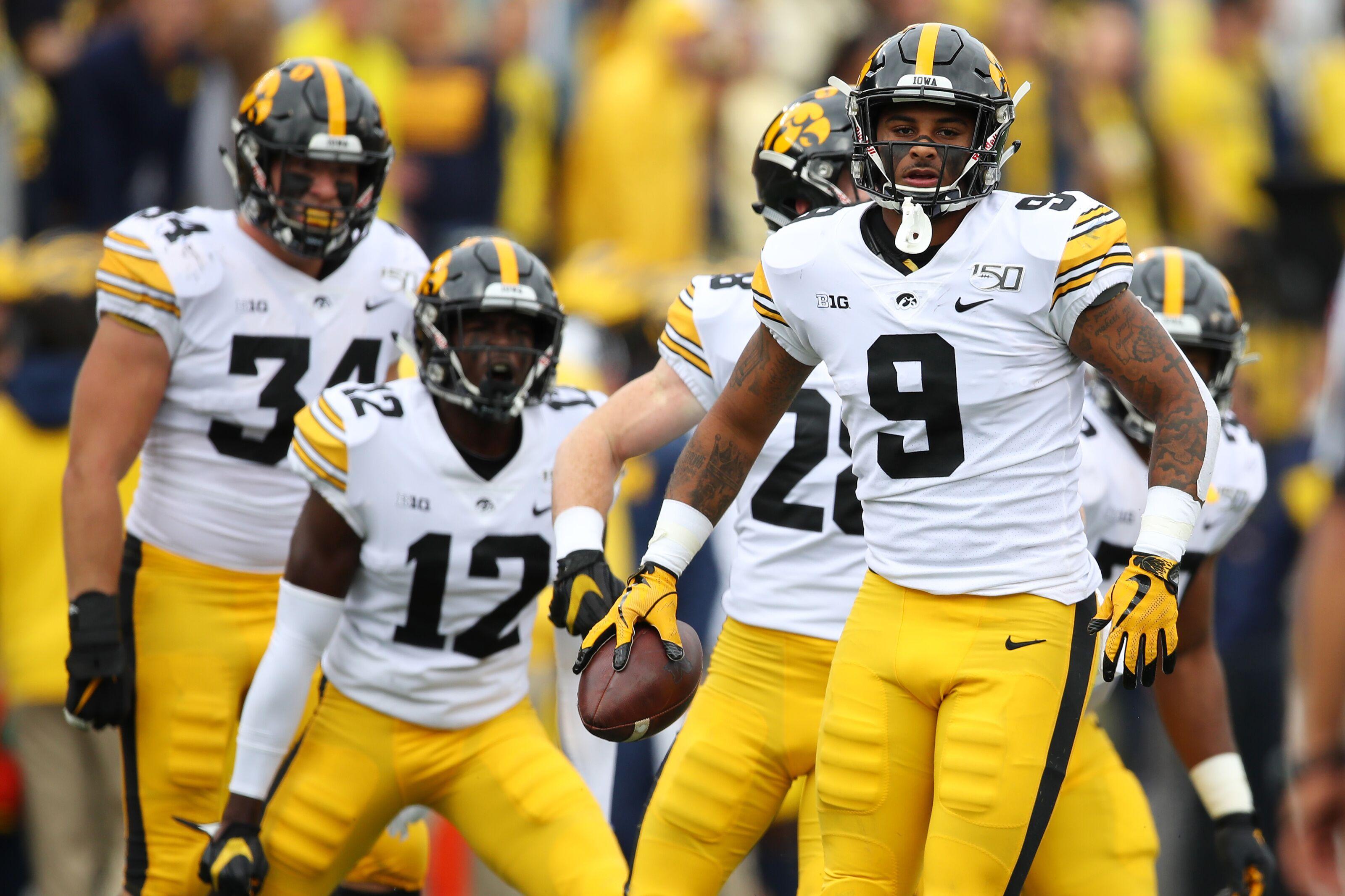 Iowa football: Hawks get no love in midseason All-American team
