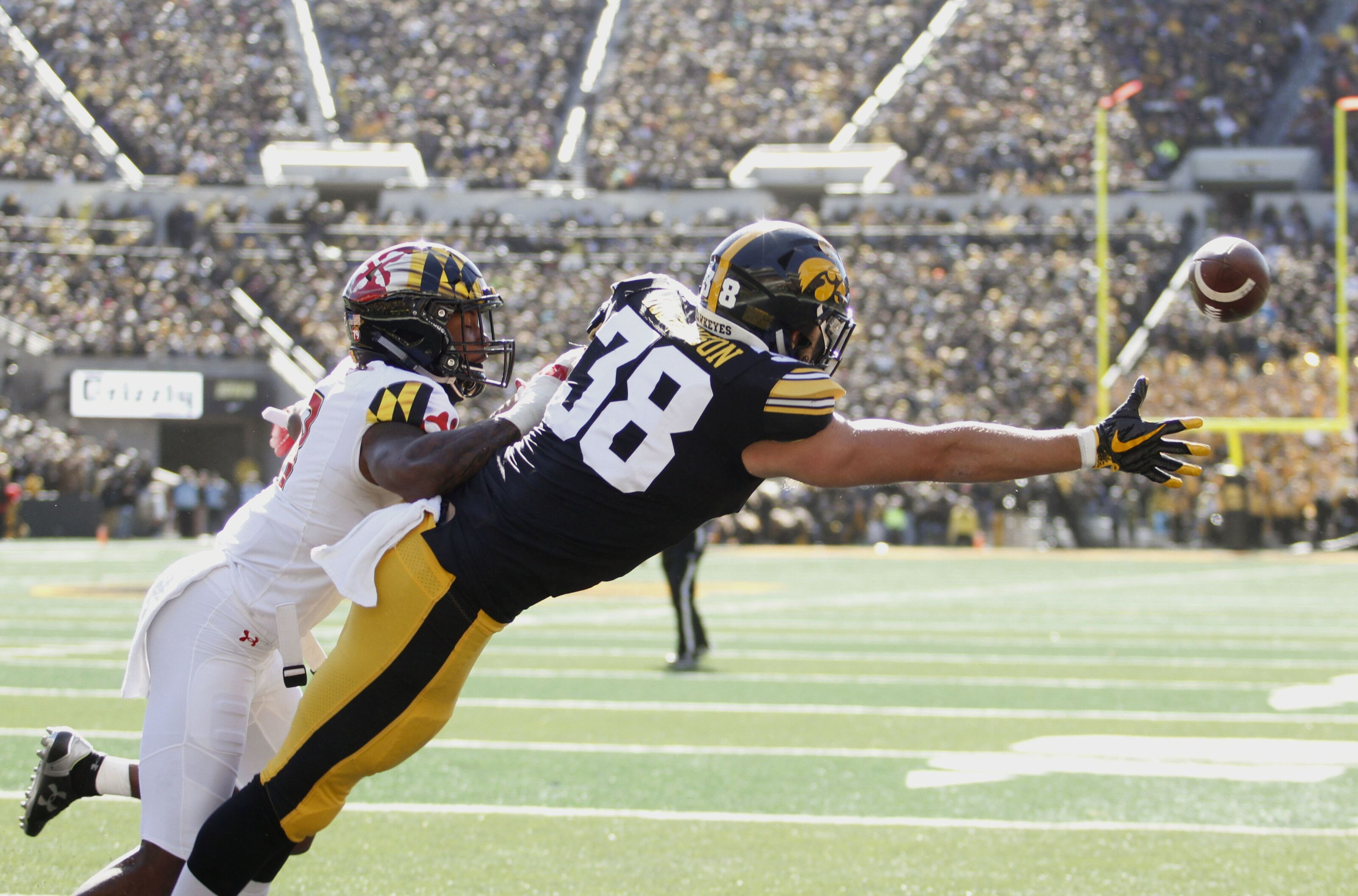 Both The Iowa Football Program And The Wisconsin Football Program Secured Needed Victories Sa Ay Where Does The Rest Of The Division Stand After Week 8