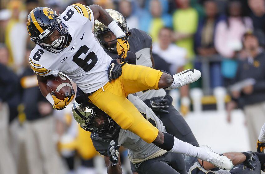 Iowa football: Big Ten realignment doesn't make sense long term