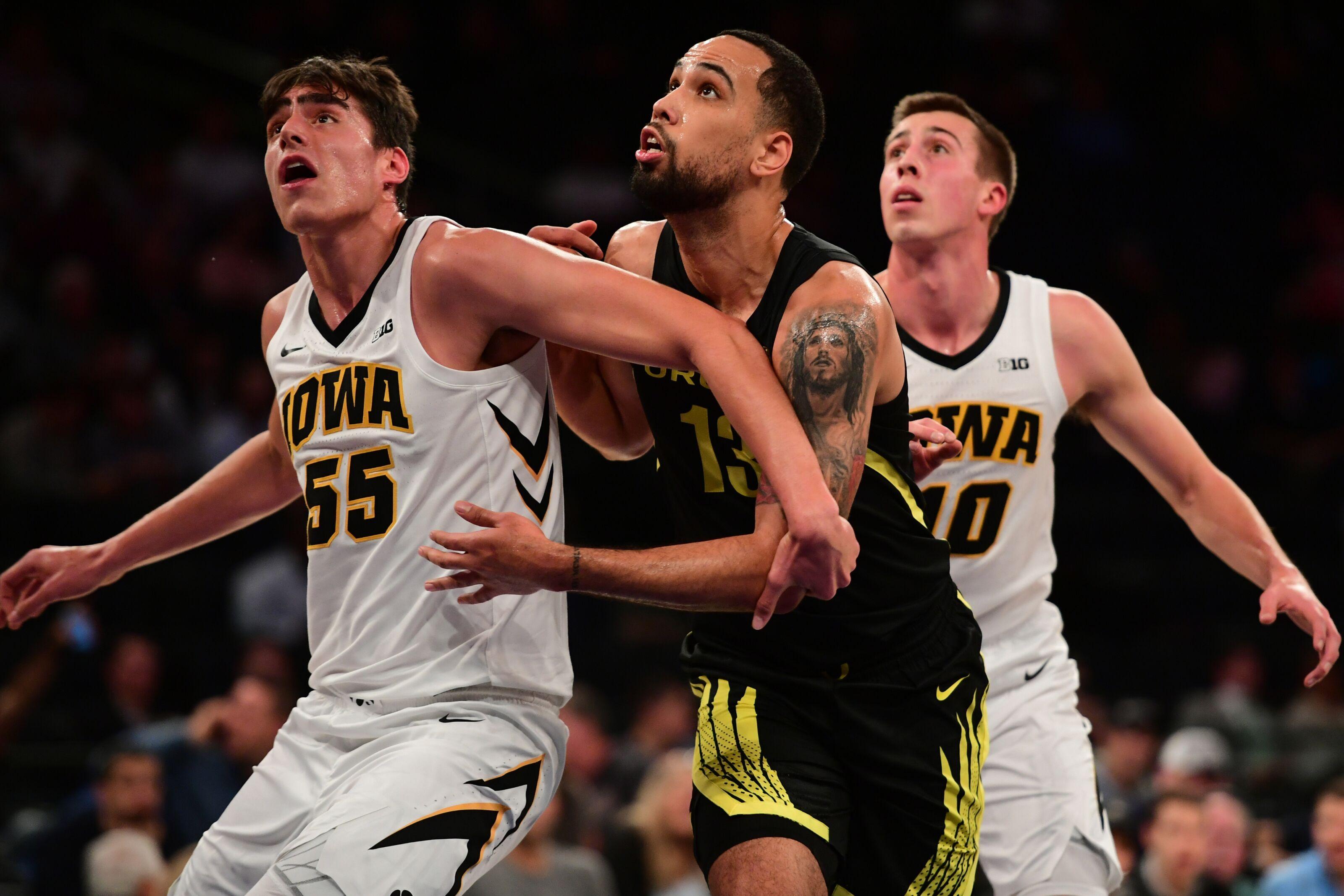 Iowa basketball: Men and women's team fall in latest rankings