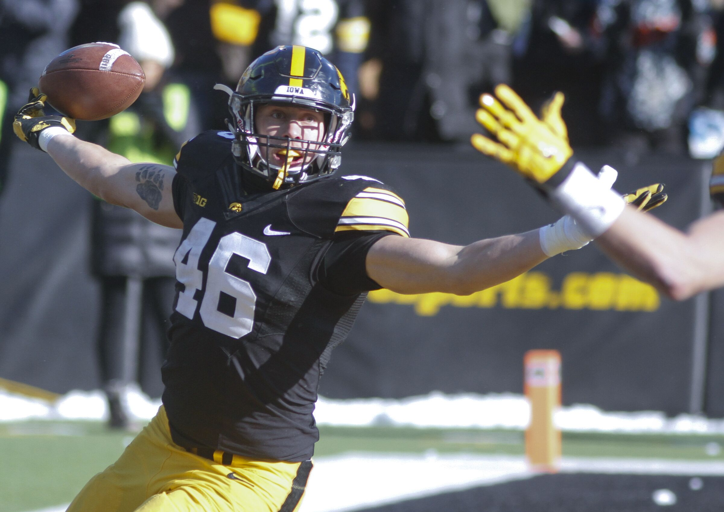 Iowa football: Top father and son duos in Hawkeyes history