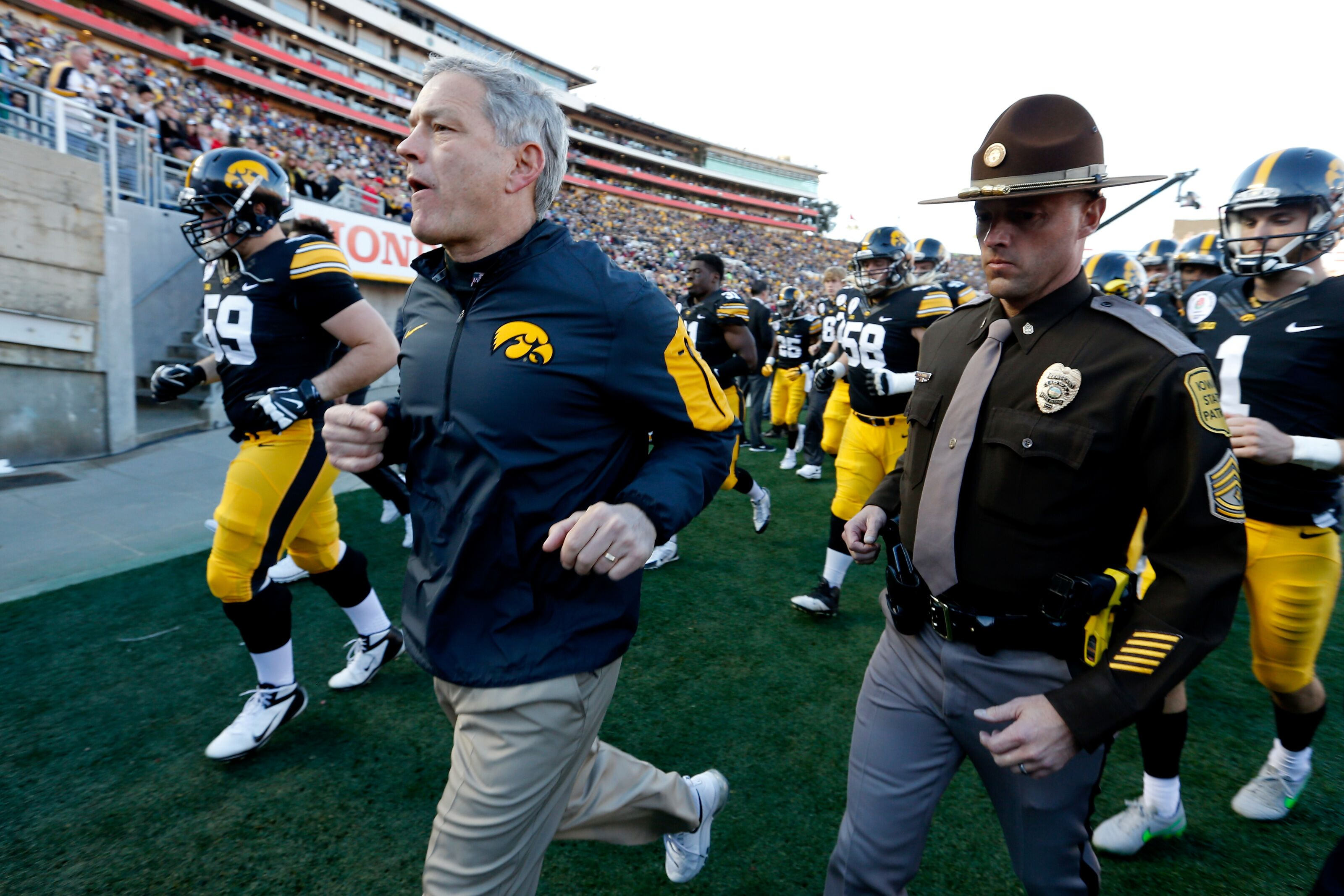 Iowa football: Early offensive stat predictions for 2019