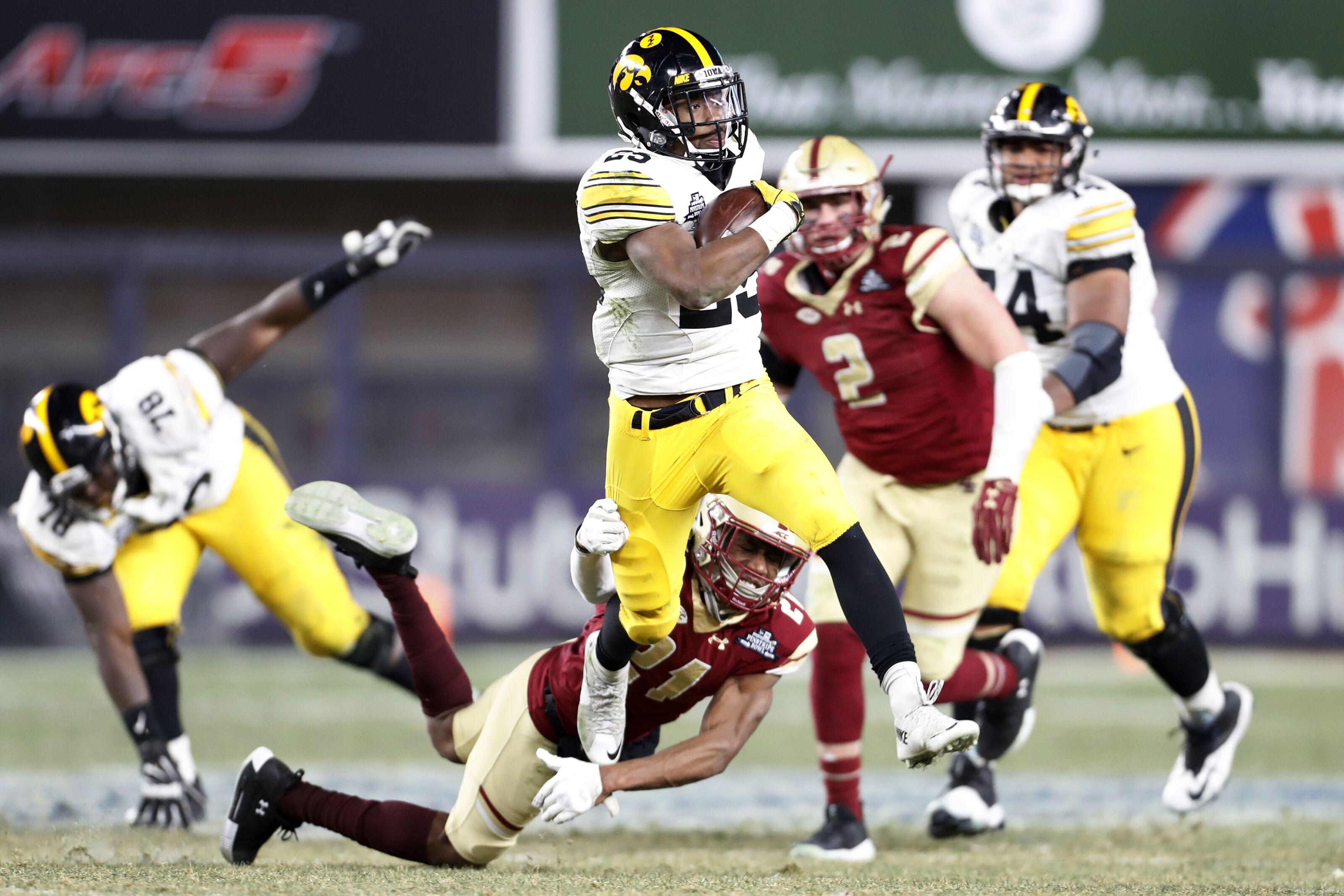 official photos b4d80 f289a Iowa football: Akrum Wadley injures leg in AAF week three
