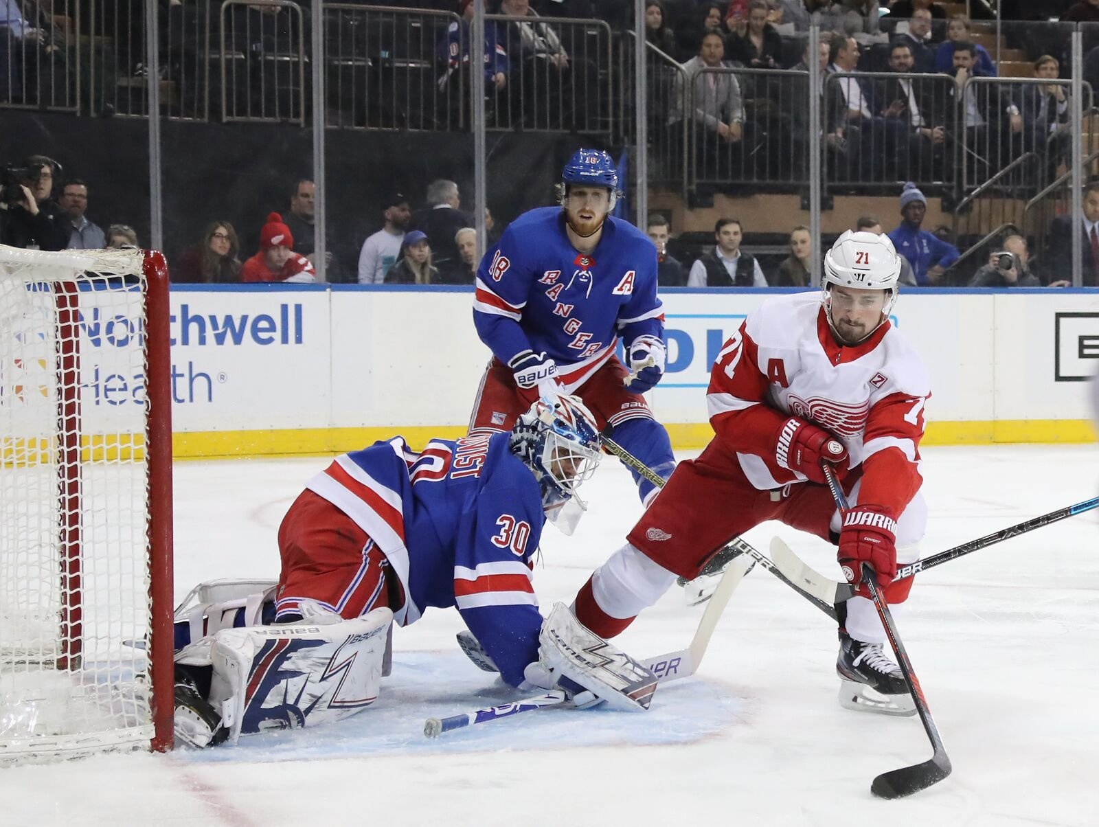 Detroit Red Wings: Another Captain-Less Season in Motown