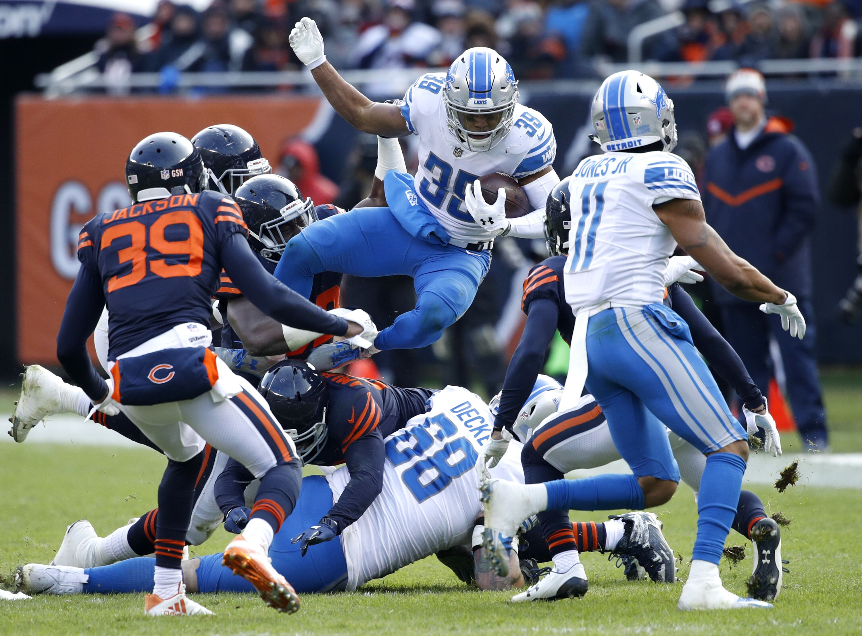 876339618-detroit-lions-v-chicago-bears.jpg