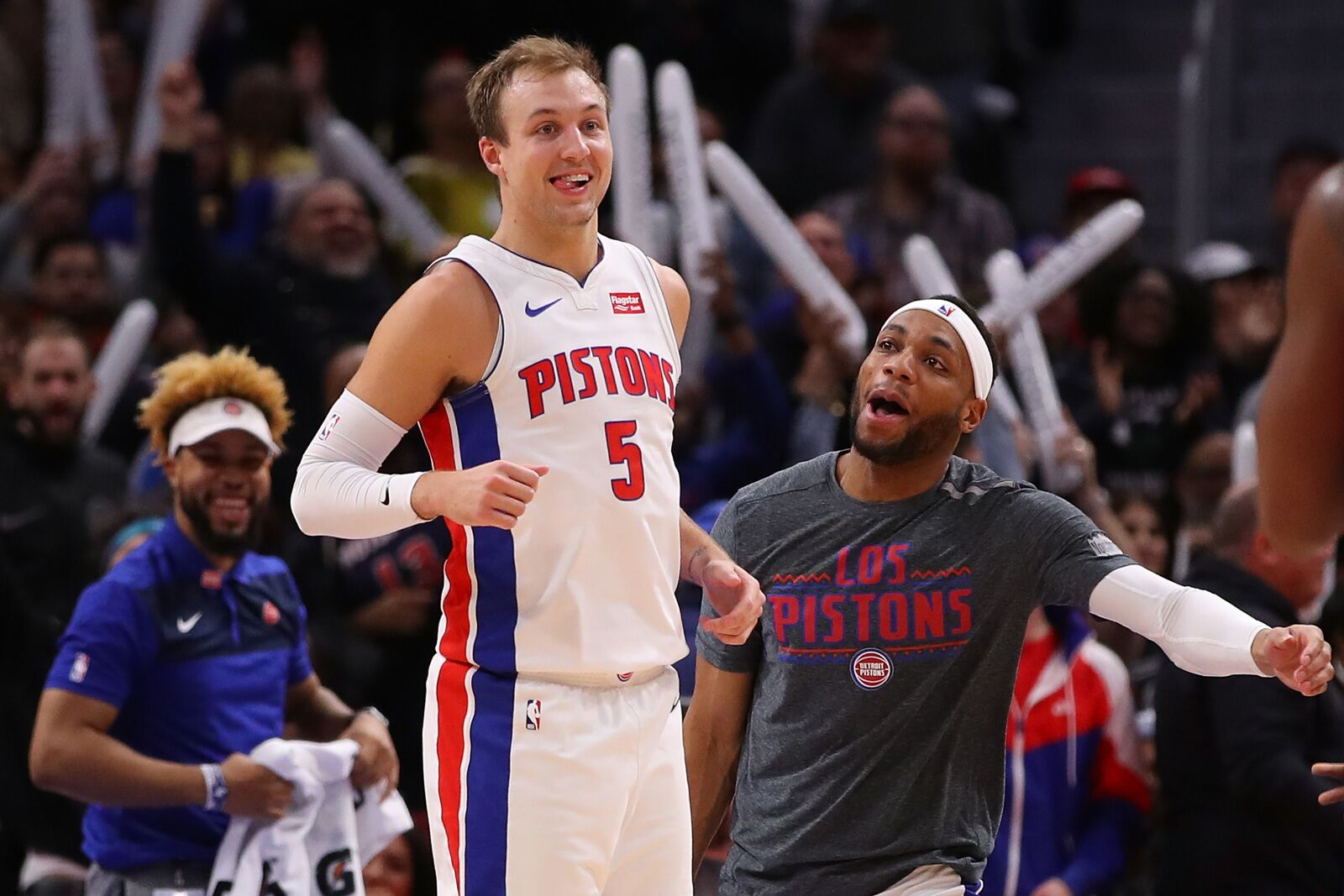 Detroit Pistons: Using free agency to improve shooting guards