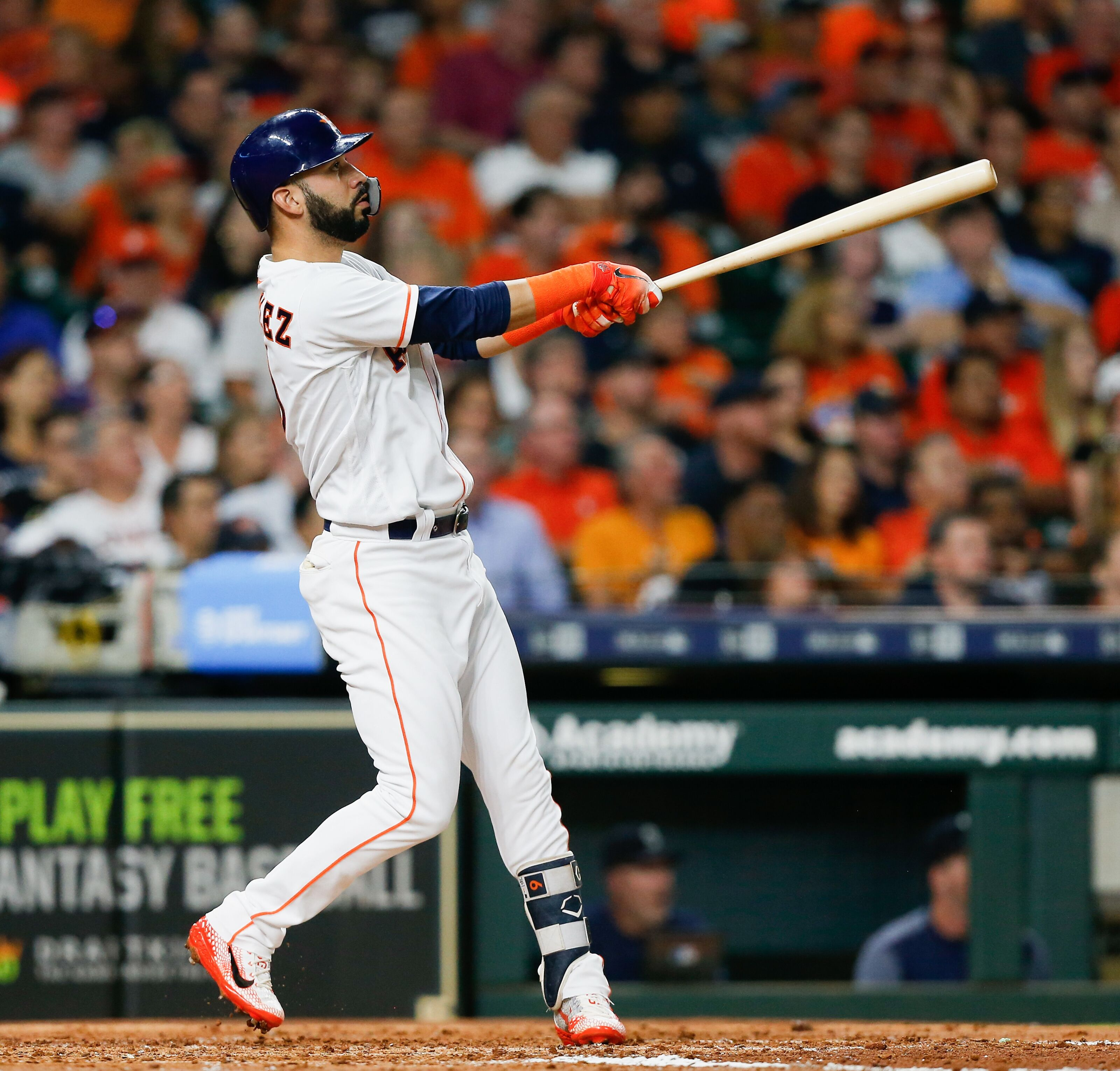 Dodgers: Marwin Gonzalez is the Safety Net the Dodgers Need