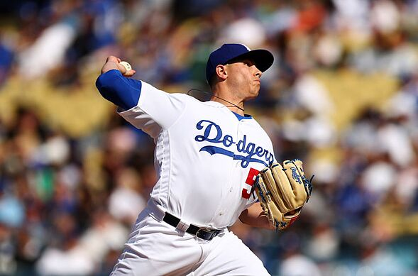 Dodgers: Which minor league free agents should be kept?