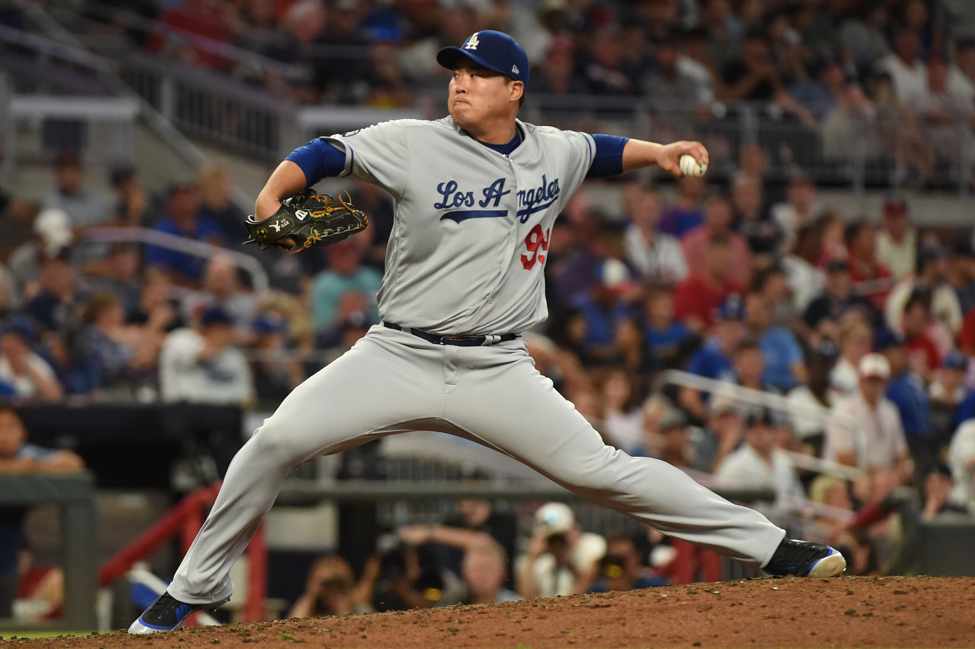 Dodgers: Hyun-Jin Ryu looks to hold off deGrom in Cy Young race