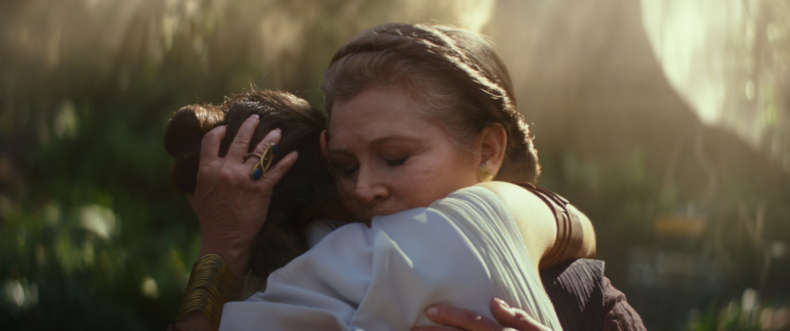 Star Wars: What did Carrie Fisher say to Daisy Ridley during their hug?