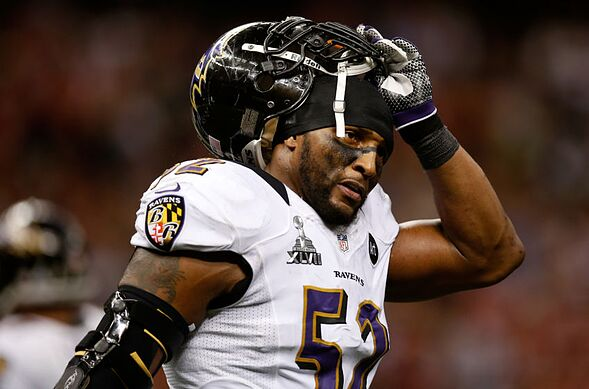 more photos 6107e c3f3a Ray Lewis vs. Brian Urlacher: Who is the better Hall of Famer?