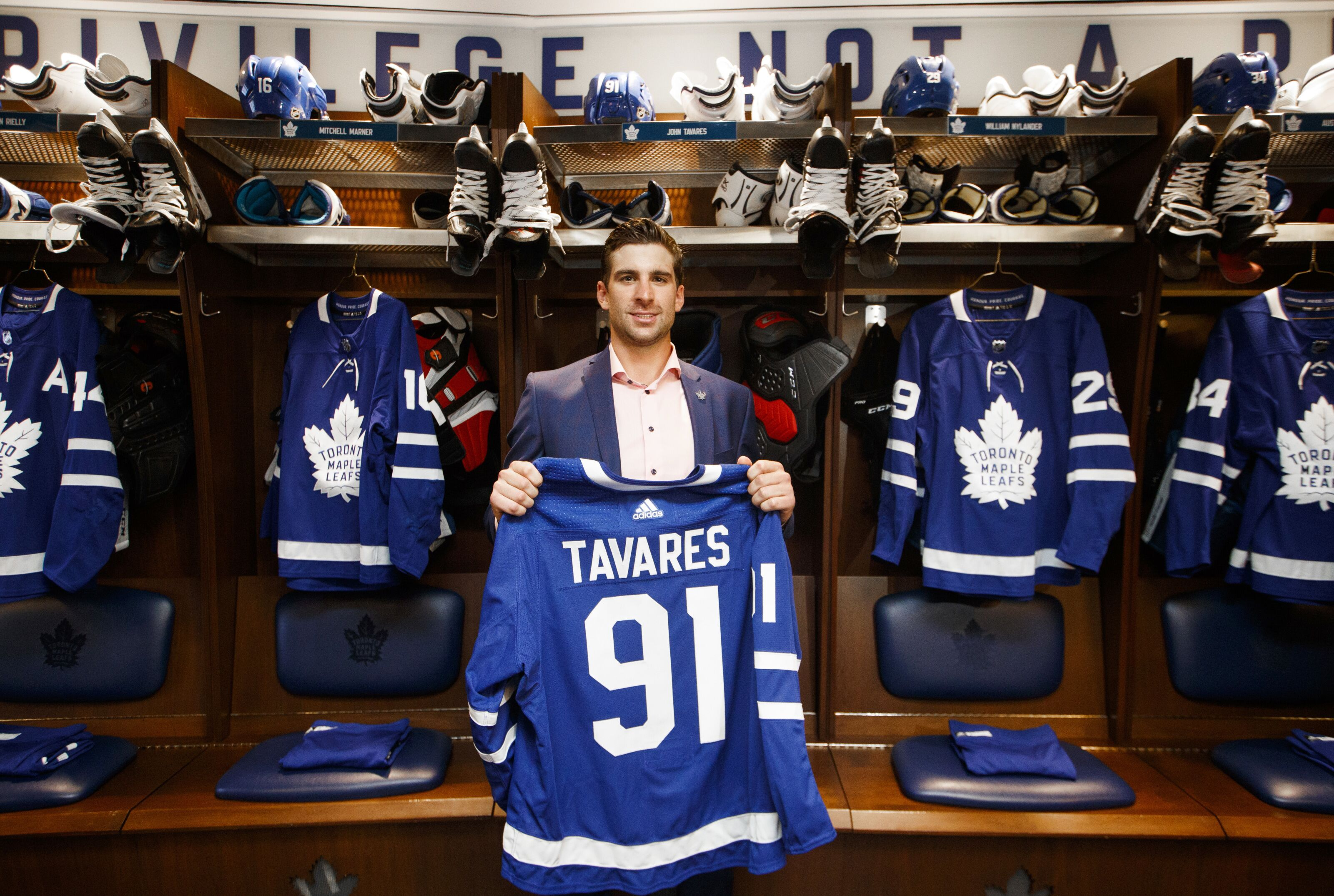 Toronto Maple Leafs: John Tavares Is the Goal Scoring Champ of the NHL