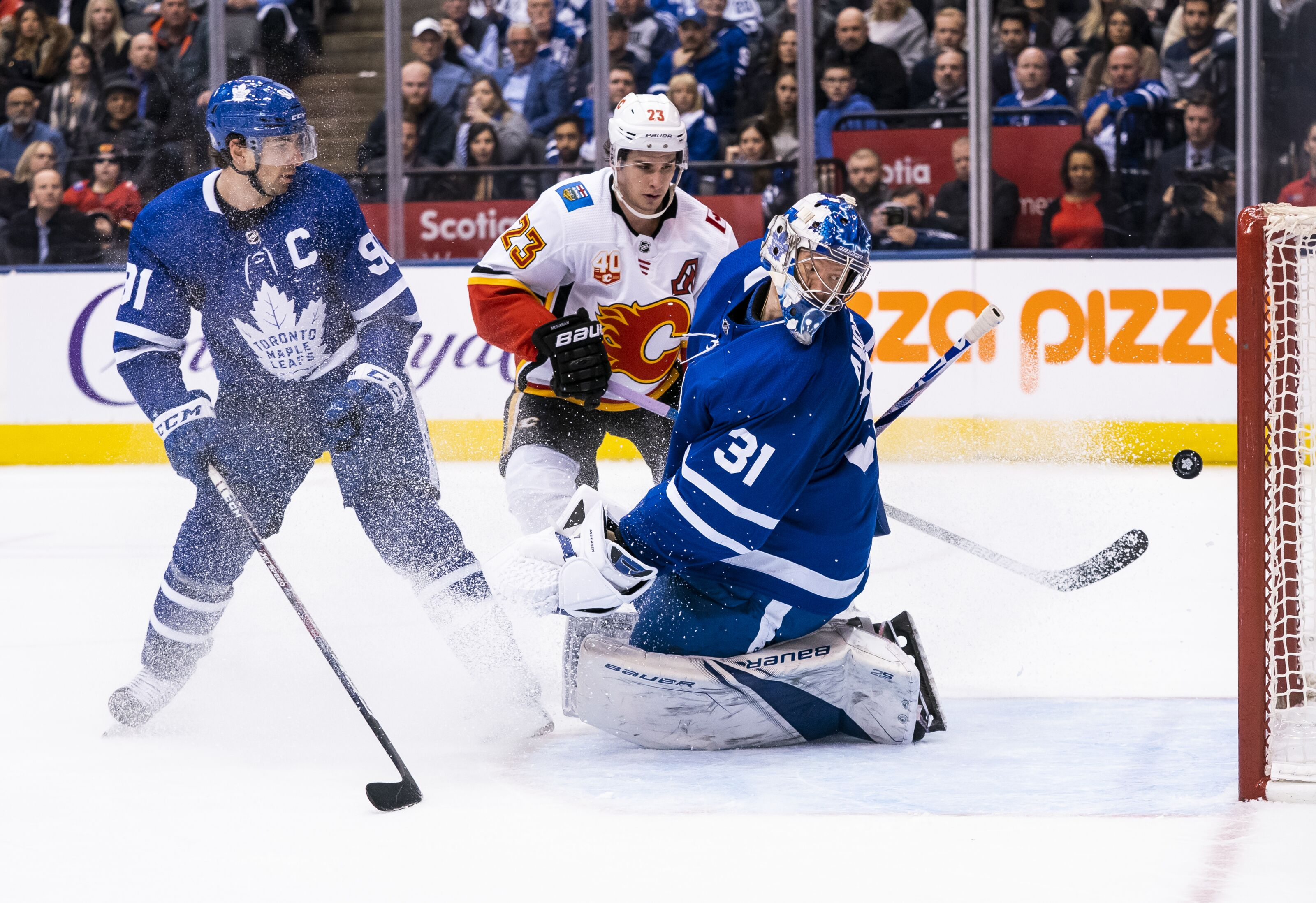 Toronto Maple Leafs Need to Make a Trade for a Goalie