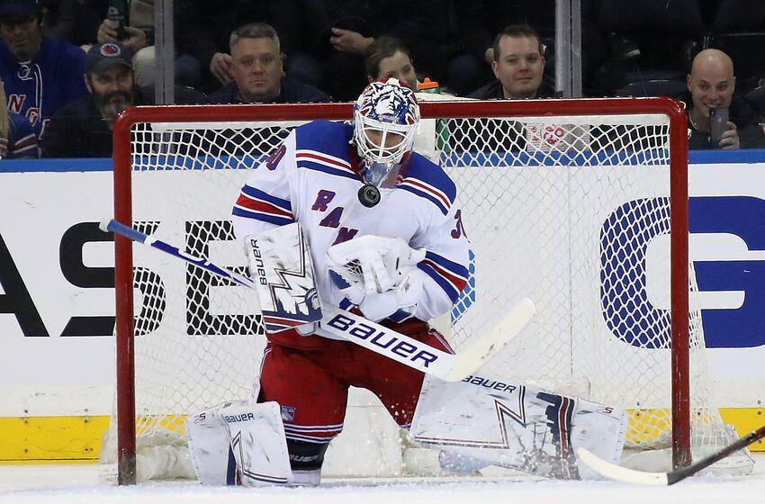 New York Rangers Henrik Lundqvist Shines In Victory Over Carolina