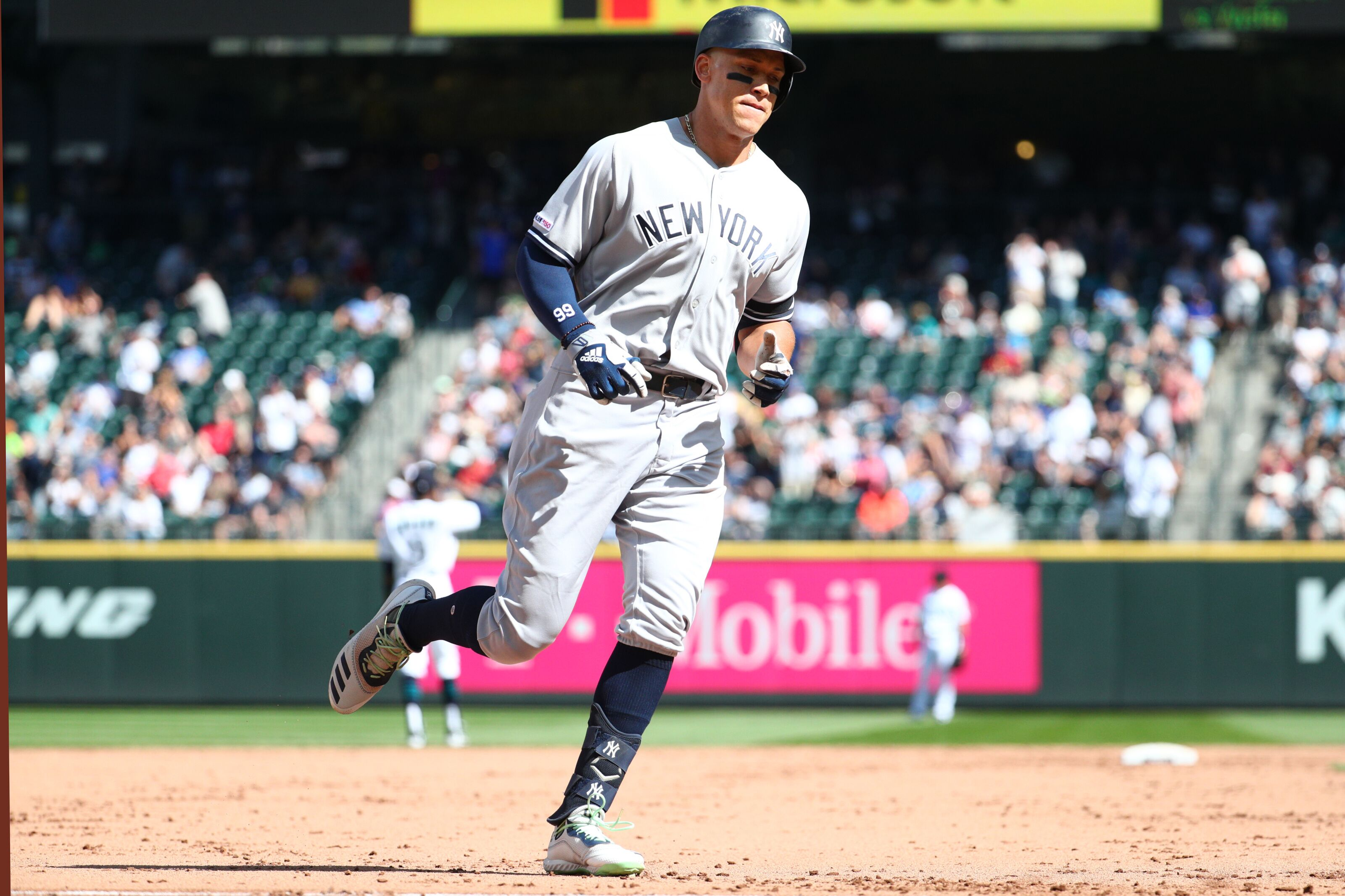 Yankees must lock up Aaron Judge long-term by next winter