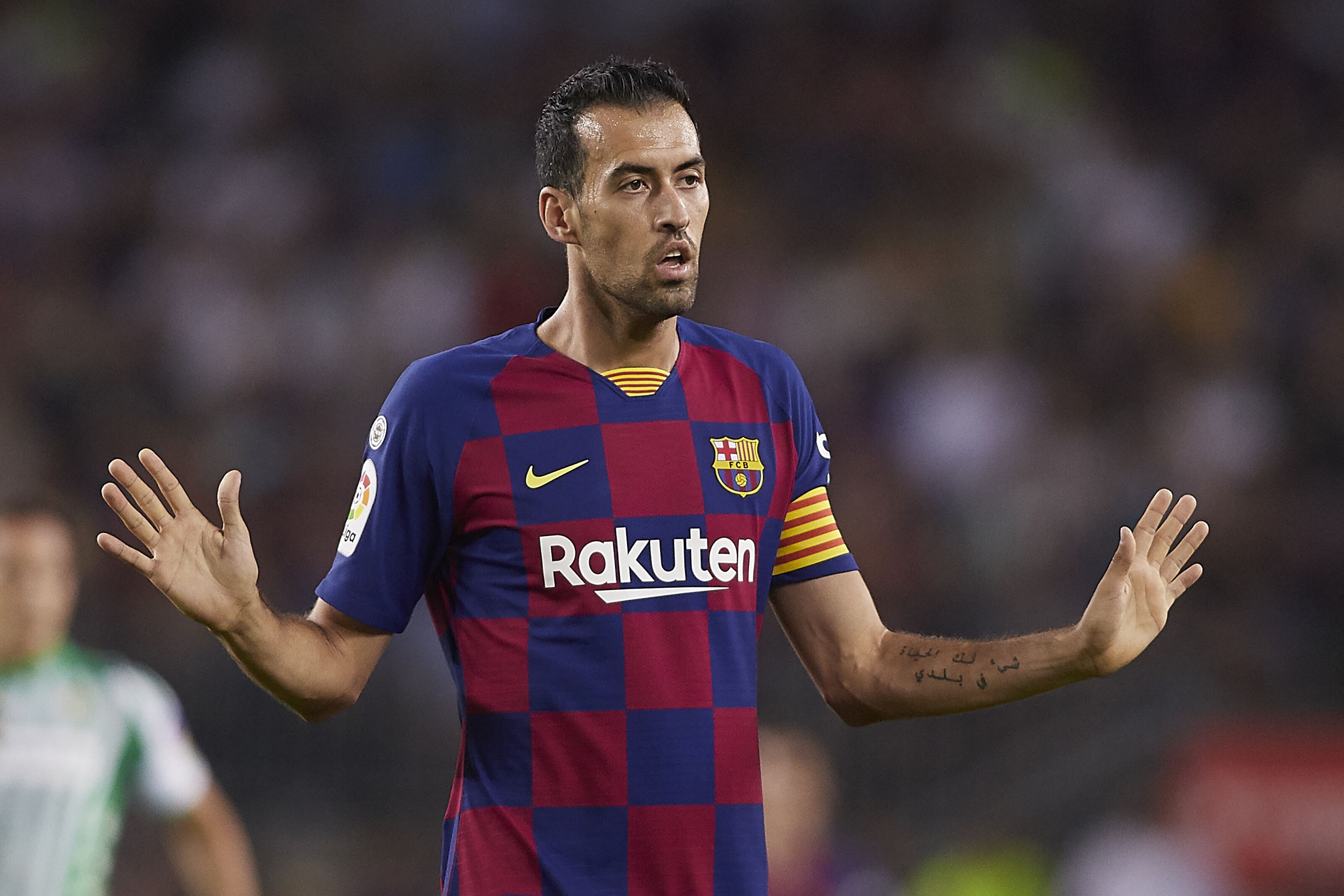 Barcelona legend facing his very own Luis Suárez-like situation